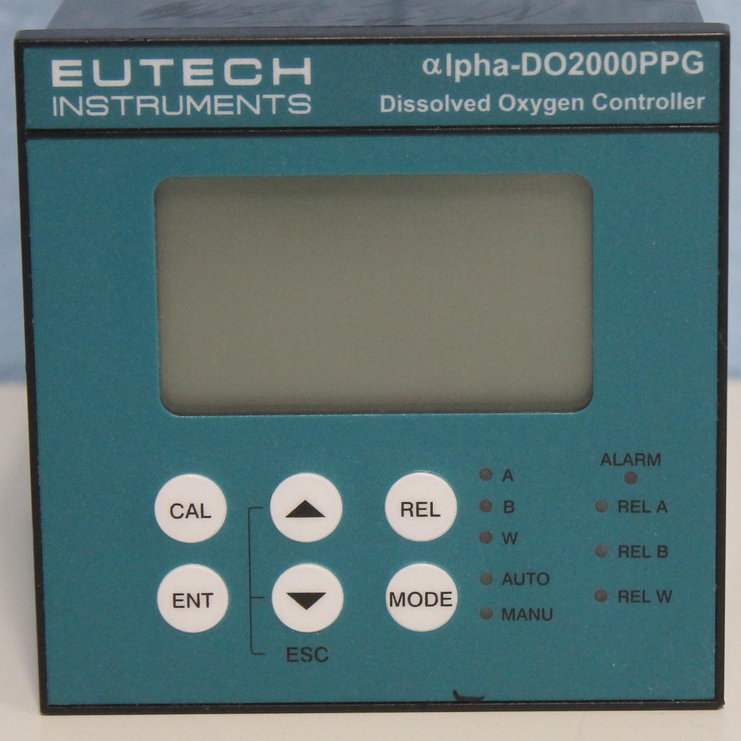 Eutech Instruments DO 2000 Polarographic Dissolved Oxygen Controller, 1/4-DIN, 80 to 250 Image