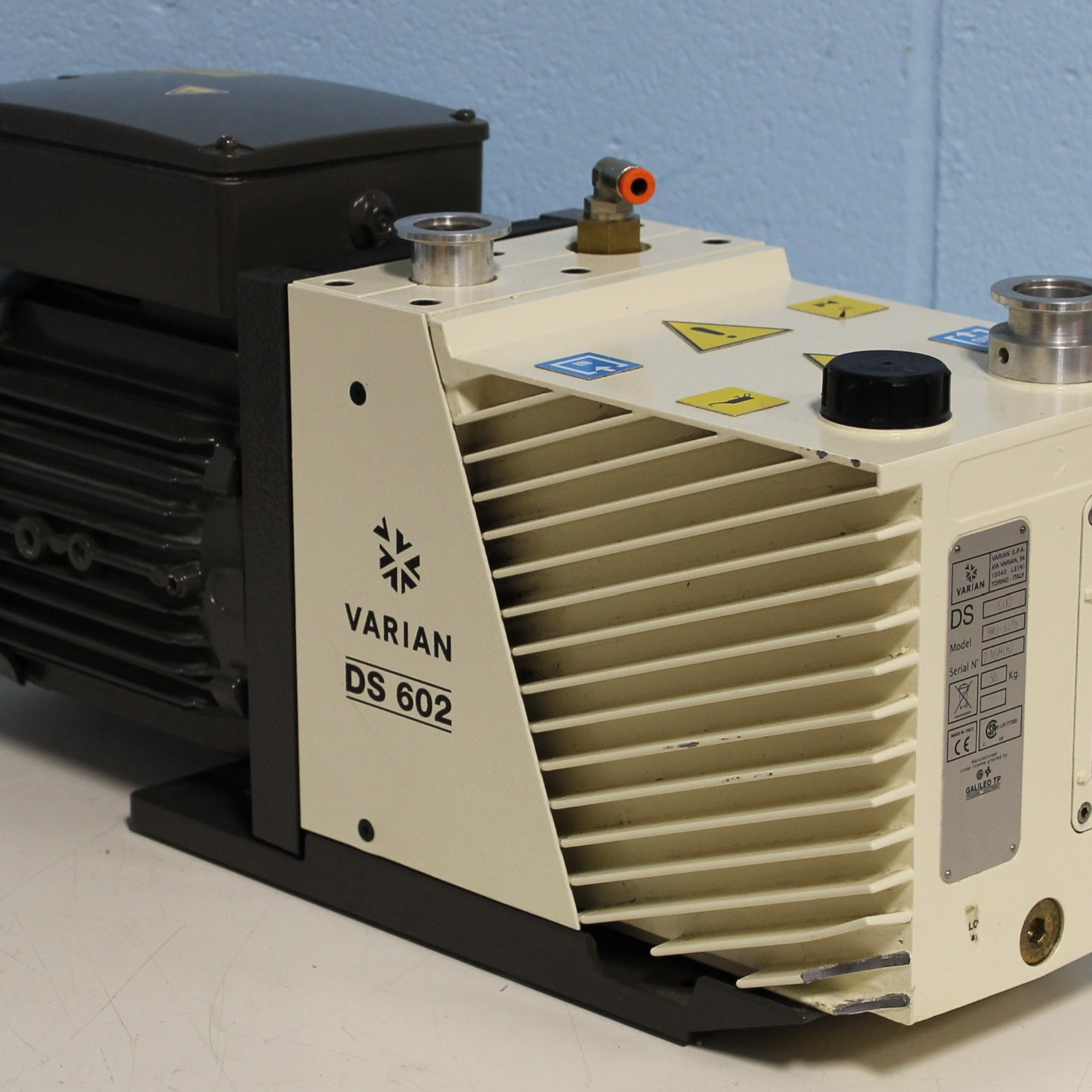 Varian DS602 Dual Stage Rotary Vane Vacuum Pump Image