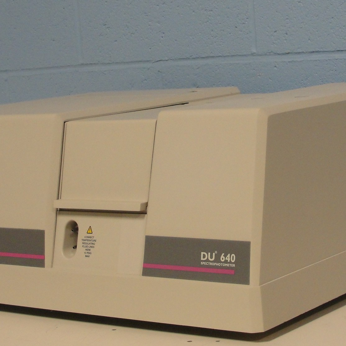 how to use spectrophotometer cuvette