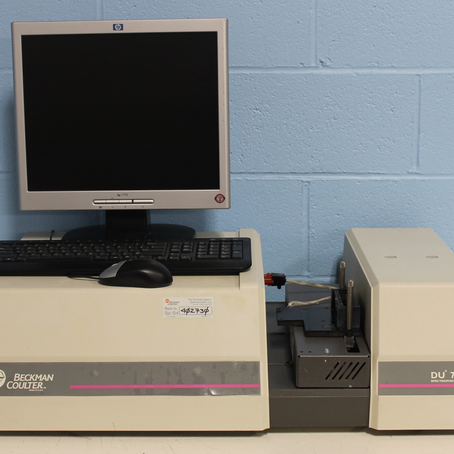 Beckman Coulter DU 7400 Diode Array Spectrophotometer Image