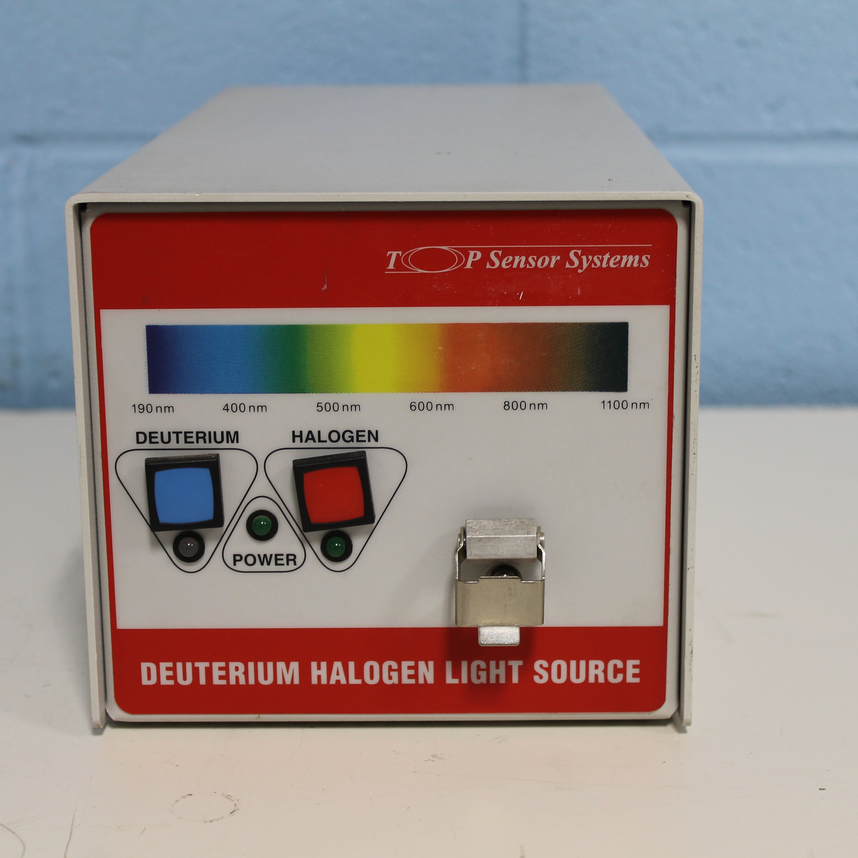 Top Sensor Systems Deuterium Tungsten Halogen Light Source Image