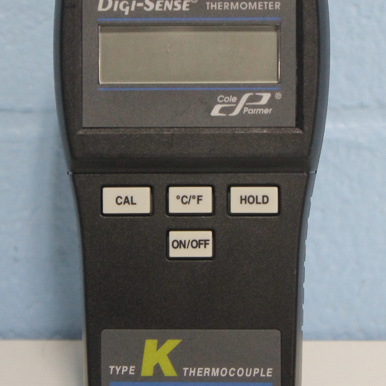 Cole-Parmer Digi-Sense type K thermocouple thermometer Model 91100-10 Image