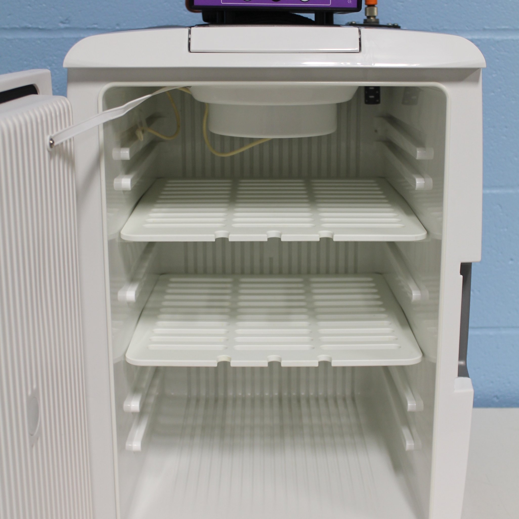 Tritech Research DigiTherm CO2 Heating/Cooling Incubator Model CC-40 Image