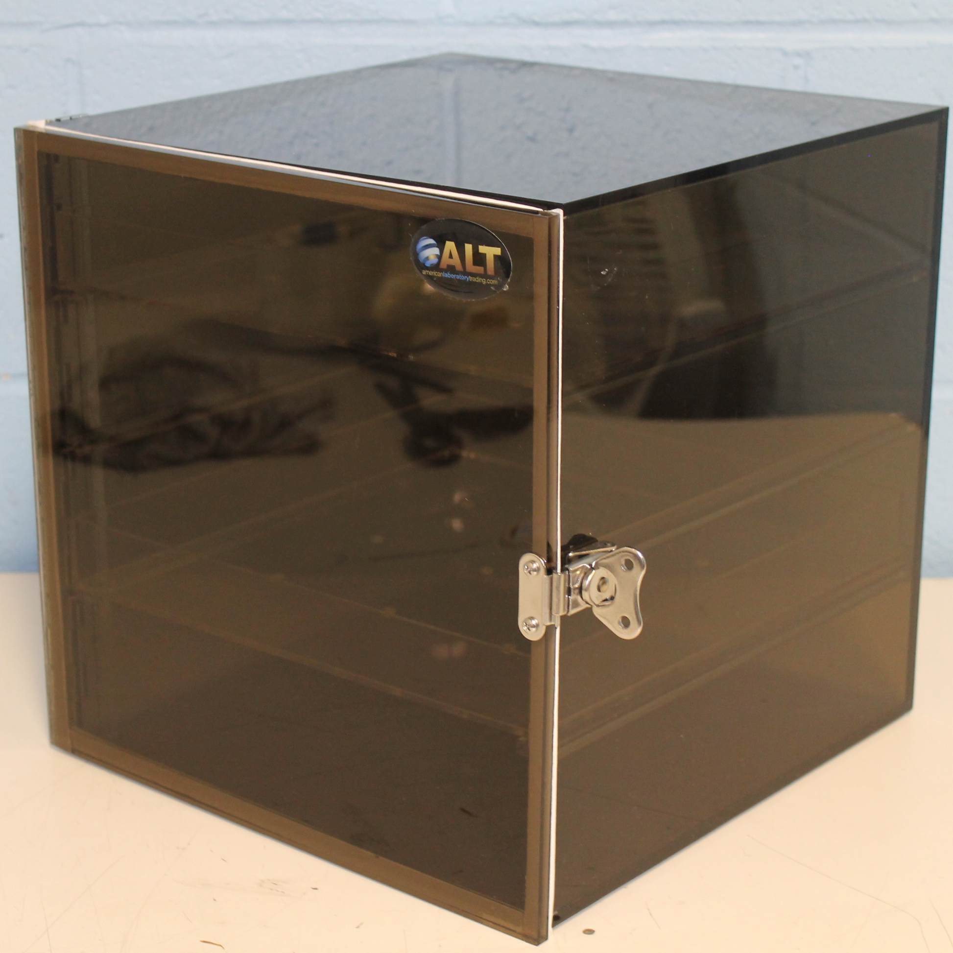 Desiccator Dry-Keeper Desiccator Cabinet Image