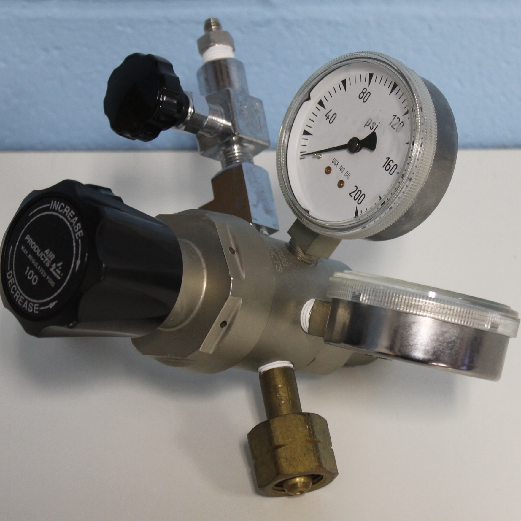 Air Products E12-244D Pressure Regulator Image
