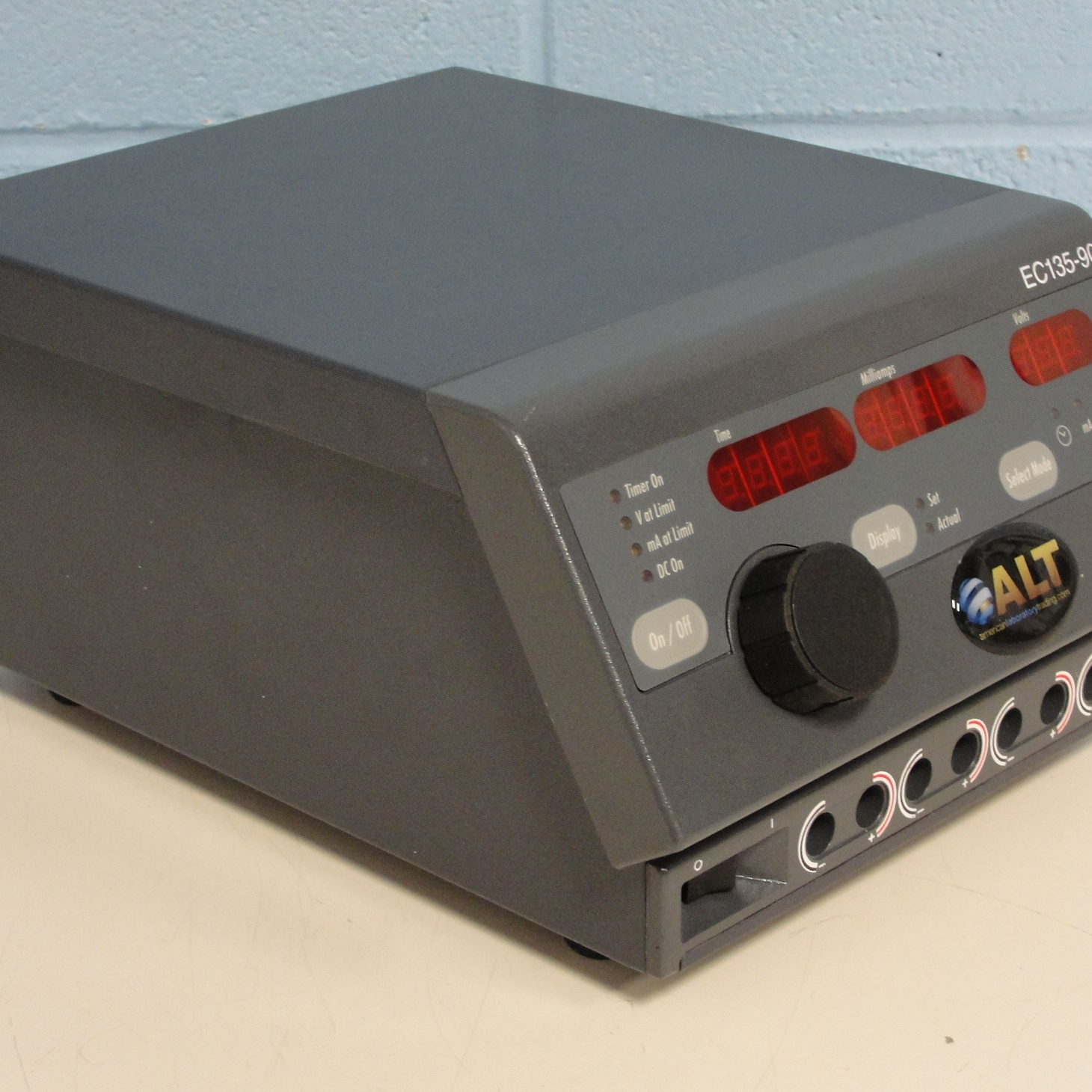 Thermo Electron Corporation EC135-90 Minicell Power Supply Image