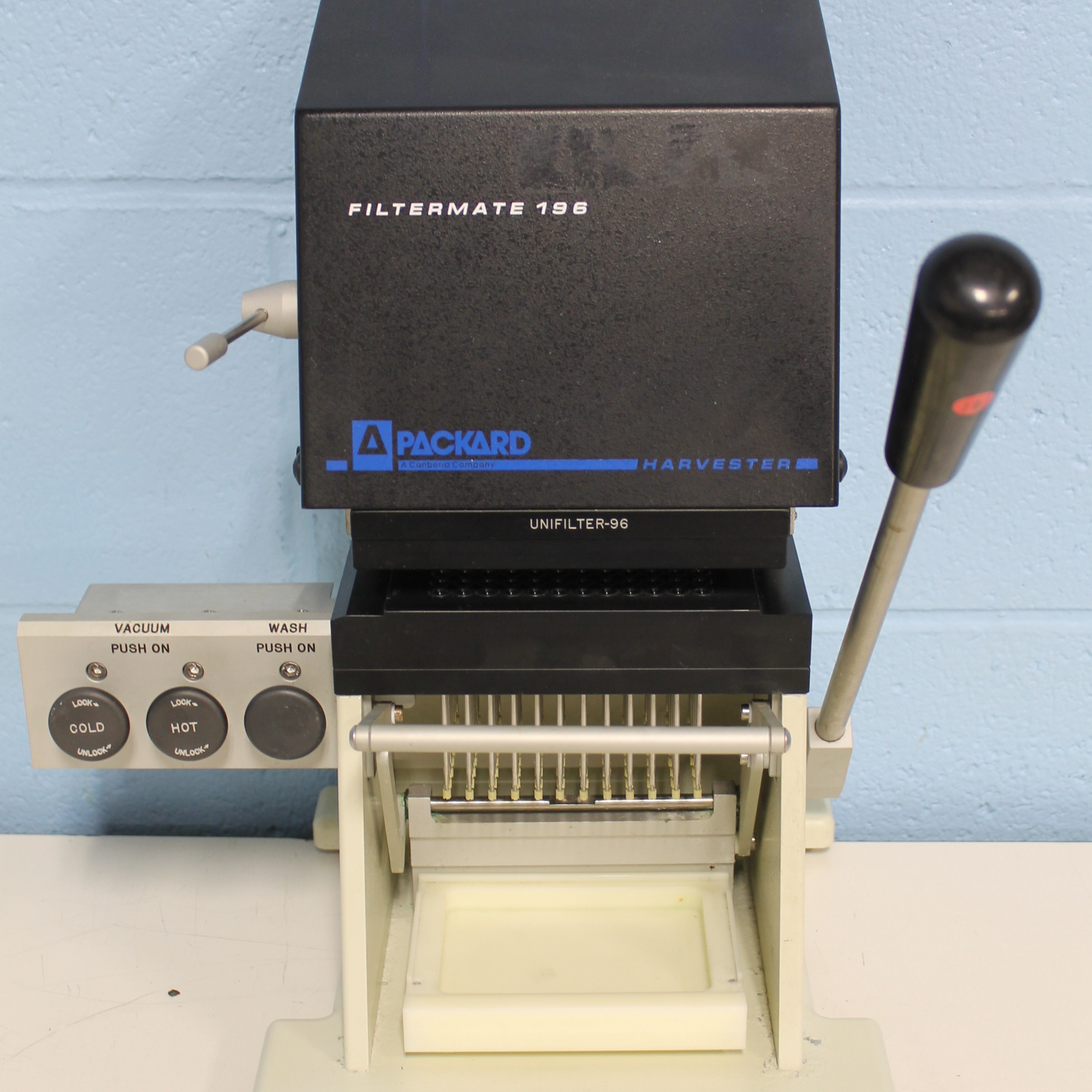 Packard BioScience Company Filtermate 196 Harvester Image