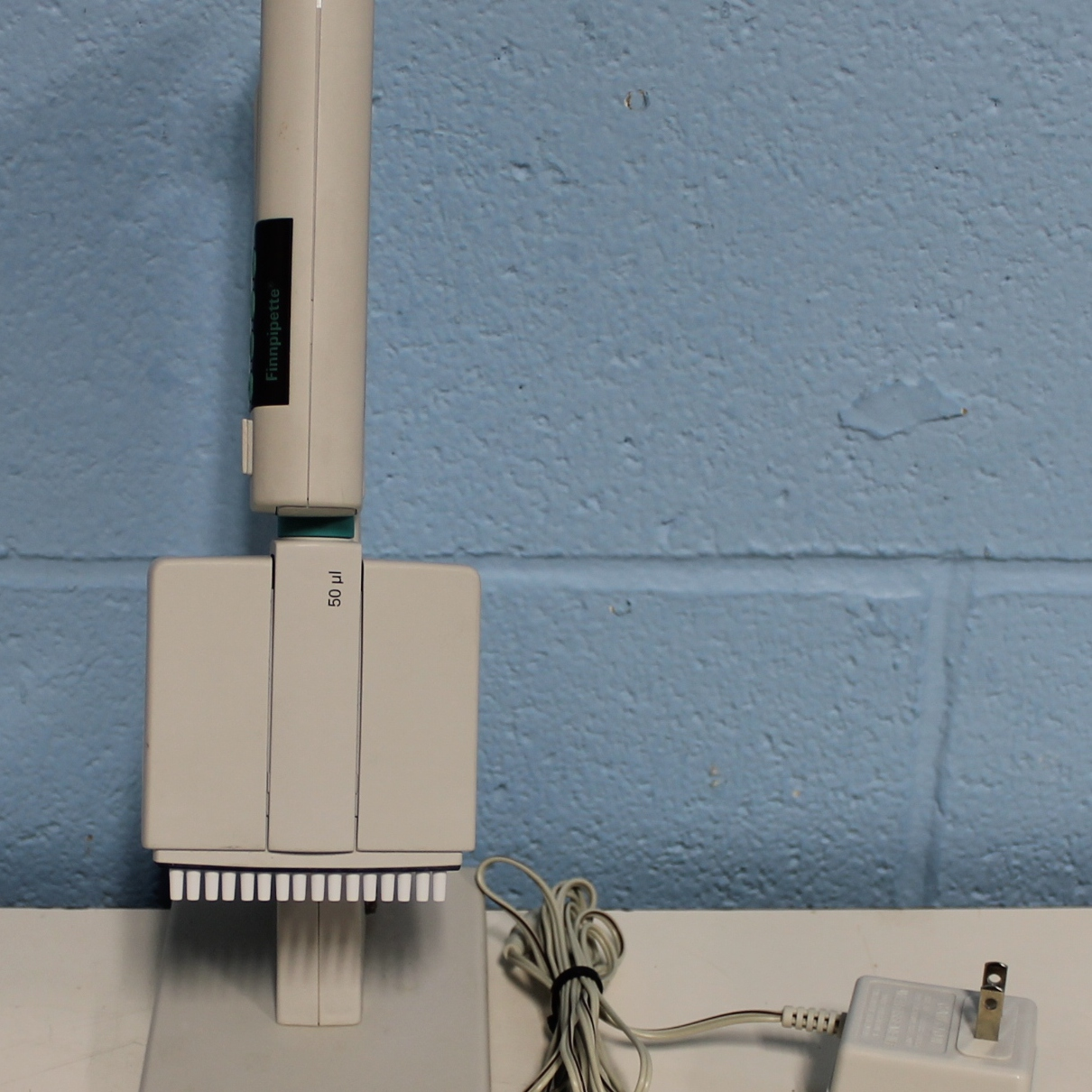 Thermo Electron Corporation Finnpipette 16 Channel Digital 50 uL Pipette Image