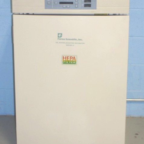 Forma Series II 3110 Water Jacketed CO2 Incubator