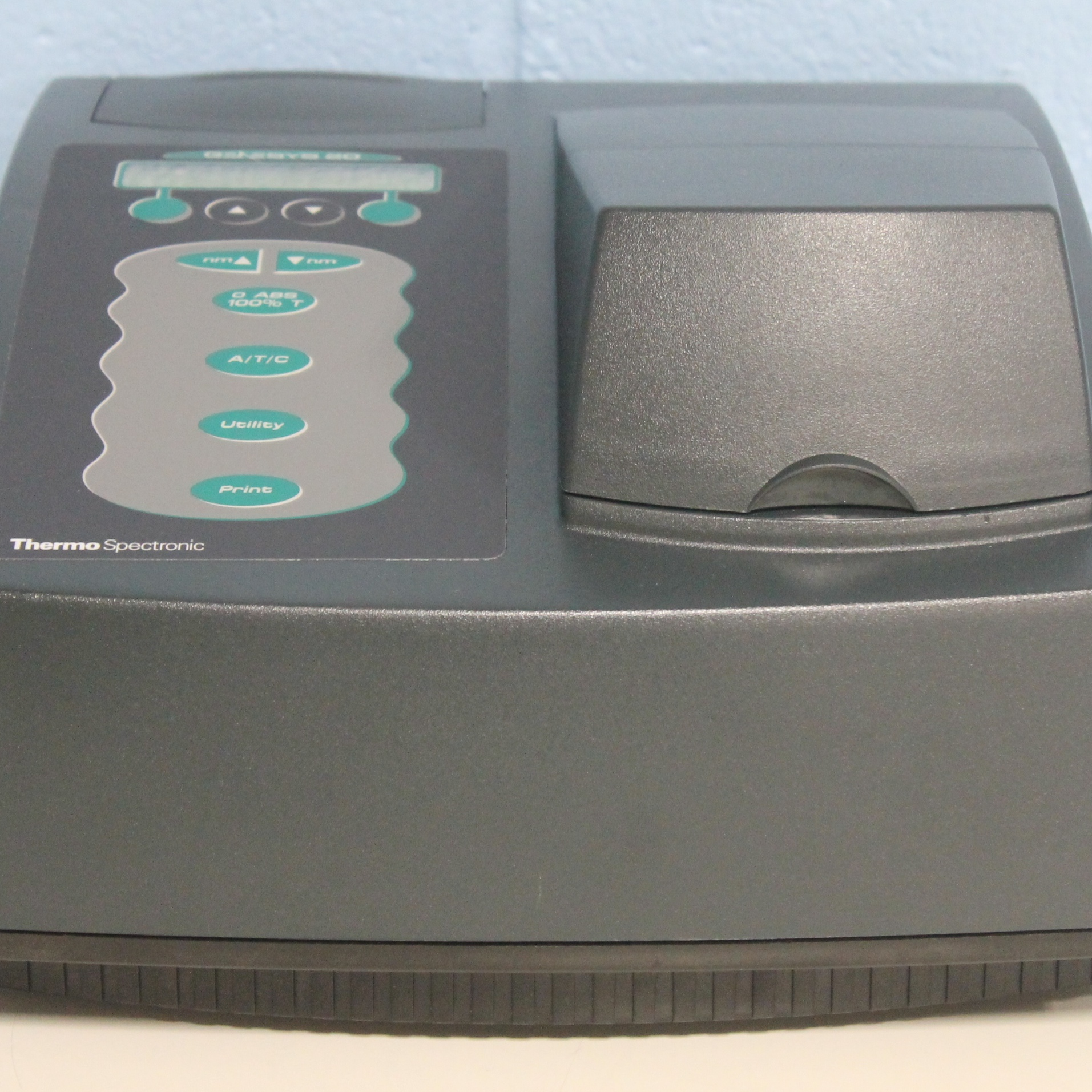 Thermo Scientific GENESYS 20 Visible Spectrophotometer CAT 4001 Image