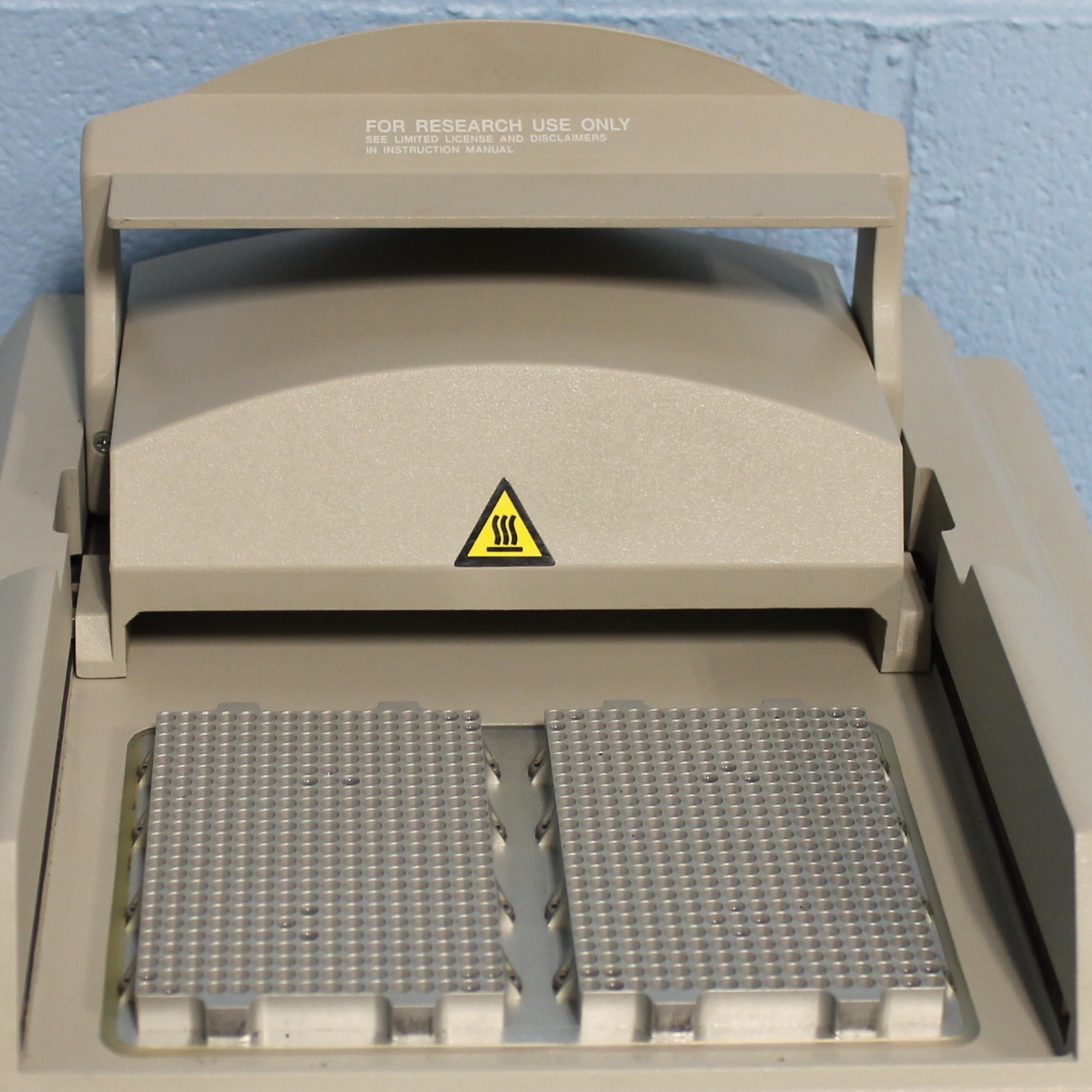 Applied Biosystems GeneAmp PCR System 9700 with Dual 384-Well Sample Block Module Image