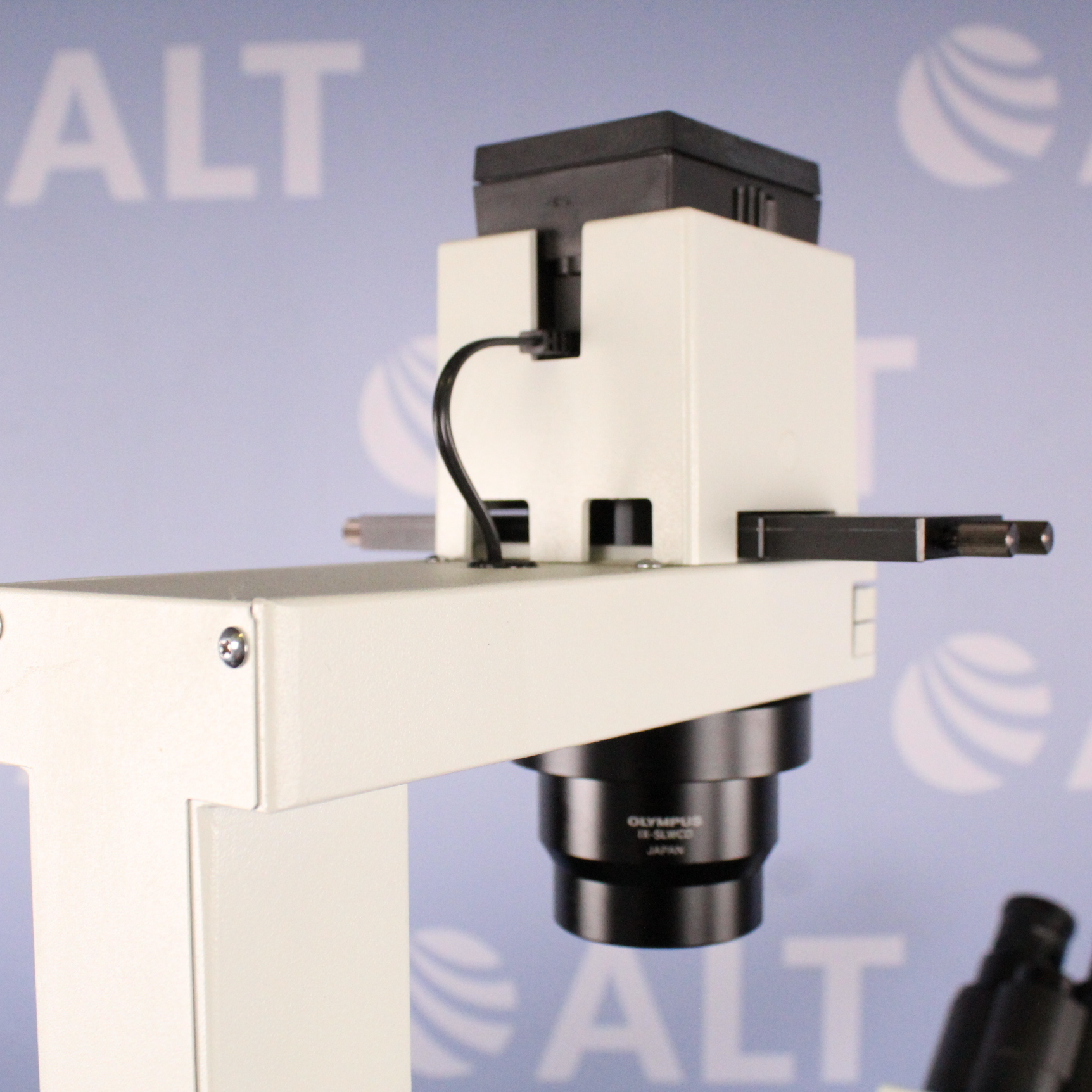 Olympus IX50-S8F2 Laser Dissection Microscope with IX-ILL30 Image