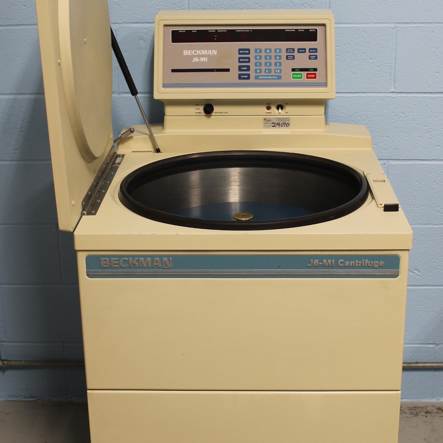 Beckman Coulter J6-MI Refrigerated High-Capacity Centrifuge Image