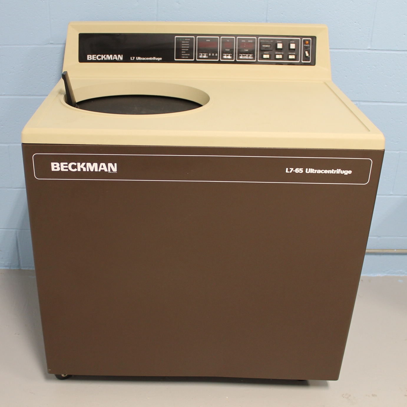 Beckman Coulter L7-65 Ultracentrifuge Image