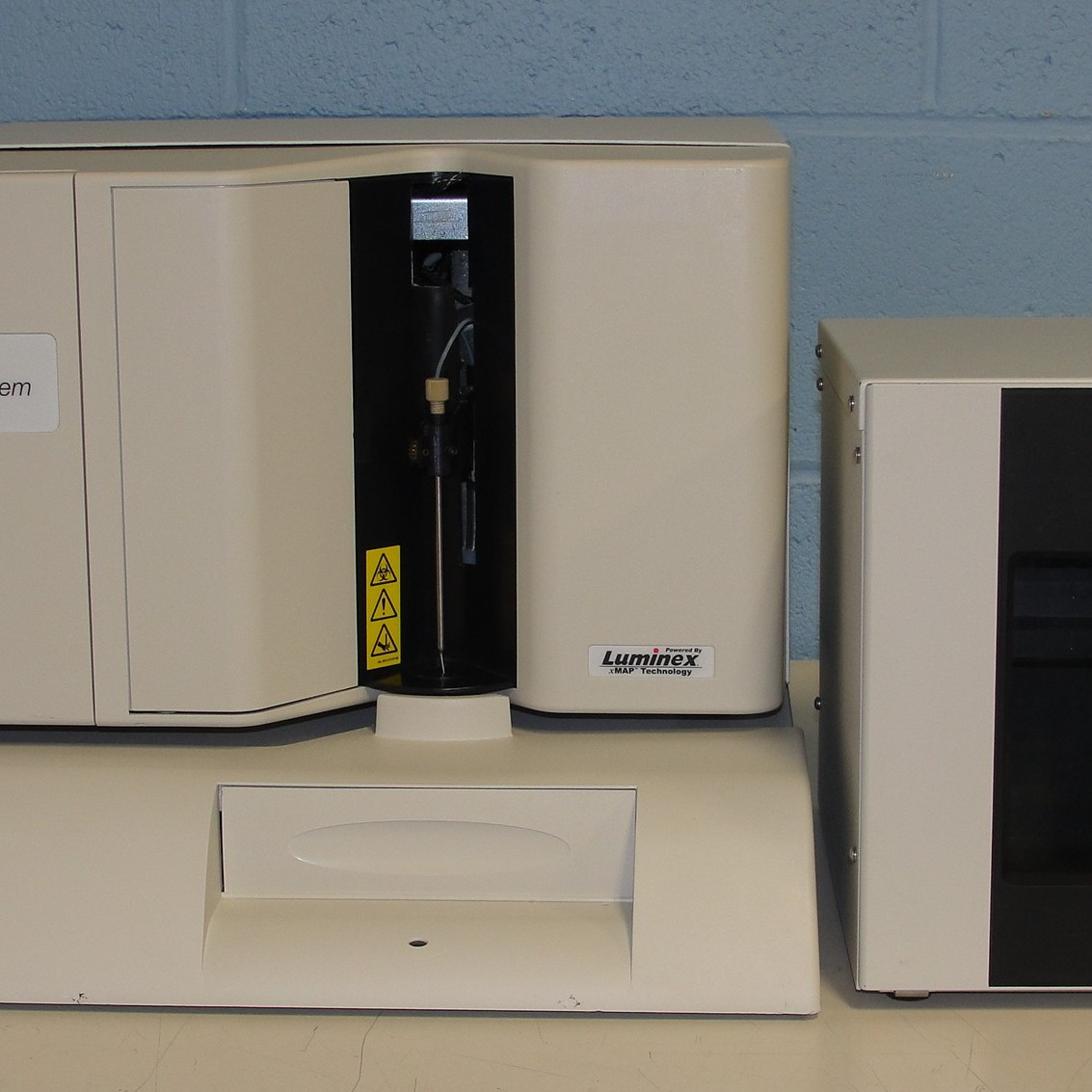 Luminex 100 Bio-Plex Liquid Array Multiplexing System Name