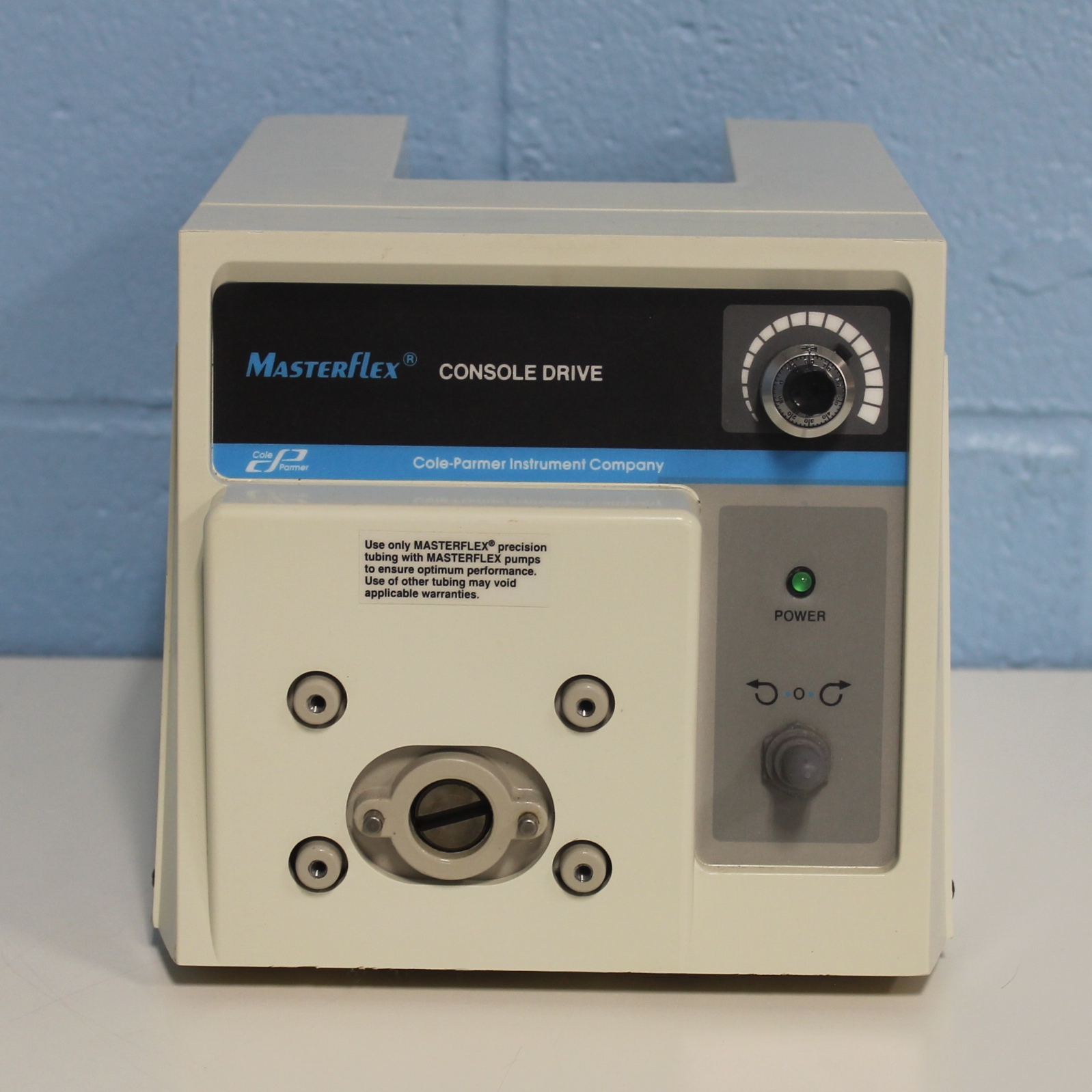 Masterflex L/S Variable-speed Drive with 10-turn Speed Control and Remote Capabilities, 1 to 100 rpm, 115 VAC. Model 77521-50