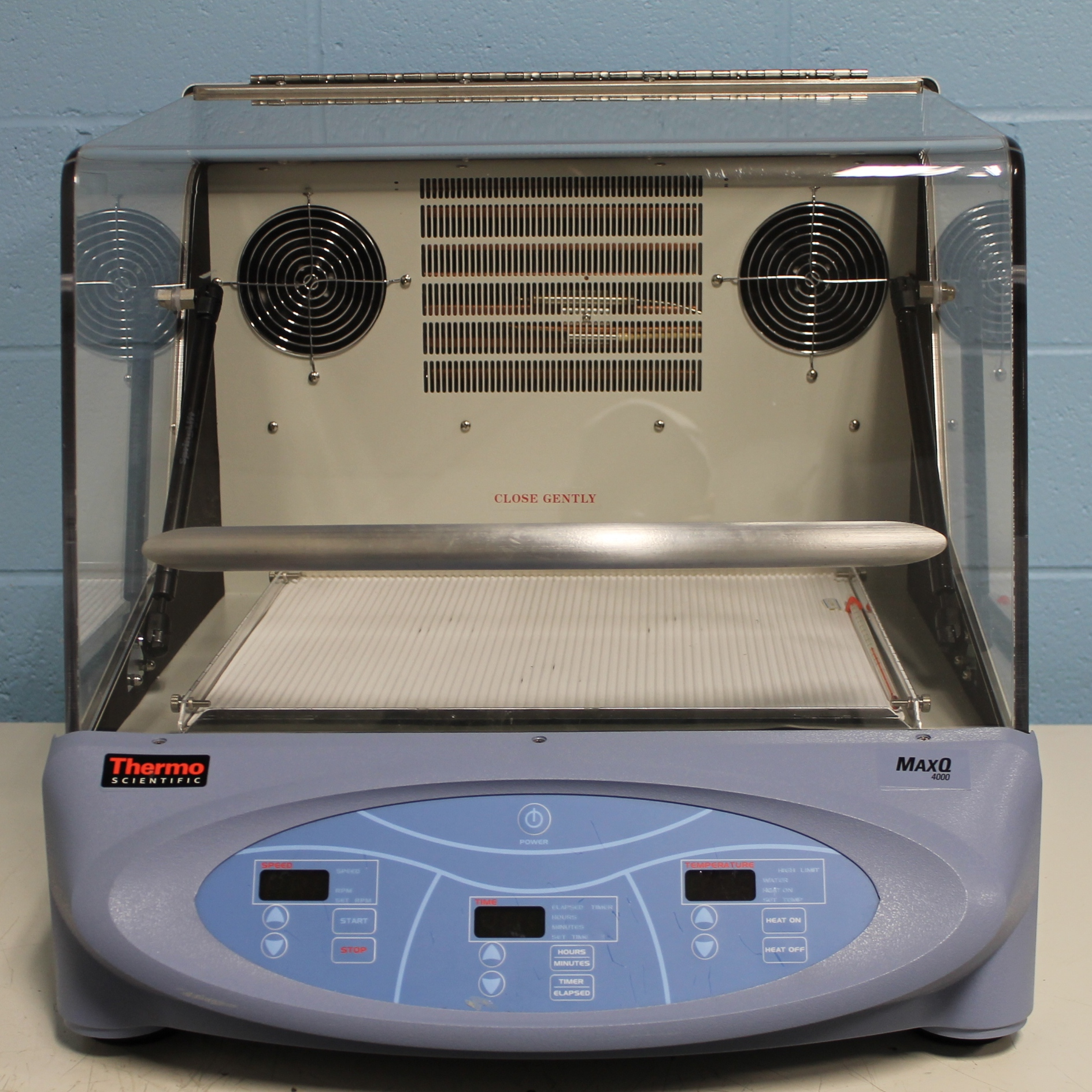 Thermo Scientific MaxQ 4000 Benchtop Refrigerated Digital Shaker Image