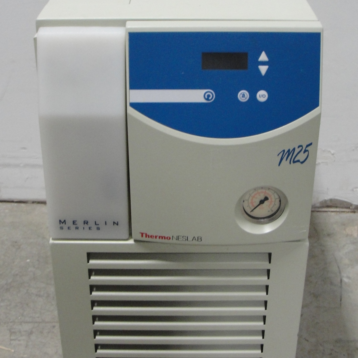 Thermo/NesLab Merlin M25 Recirculating Chiller Image