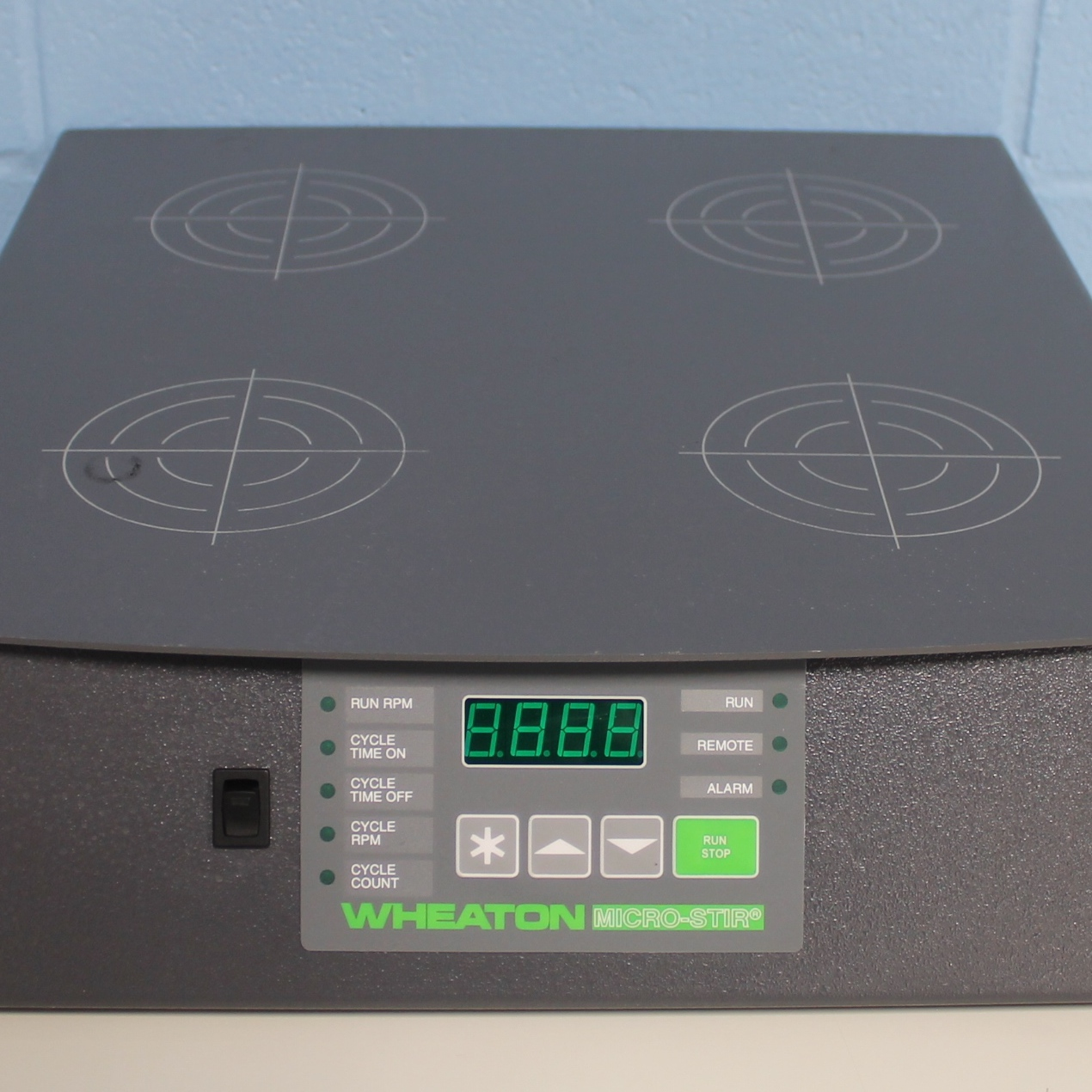 Wheaton Micro-Stir Four-Place Slow Speed Magnetic Stirrer CAT No. 900701-A Image