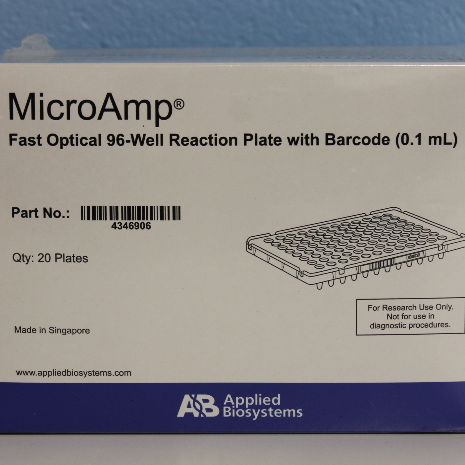 Applied Biosystems MicroAmp Fast Optical 96-Well Reaction Plate with Barcode, 0.1 mL CAT No. 4346906 Image