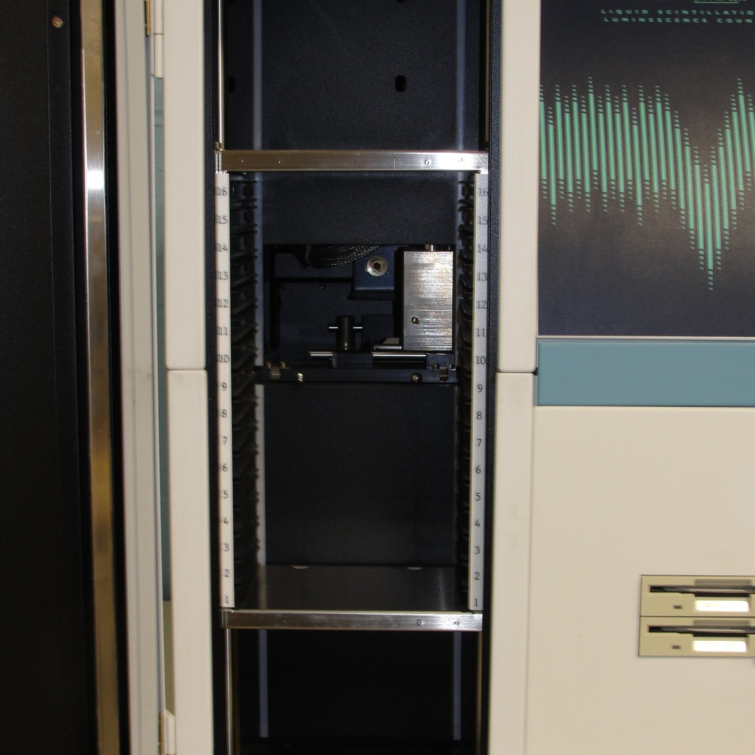 PerkinElmer/Wallac 1450-021 Trilux MicroBeta Liquid Scintillation and Luminescence Counter Image
