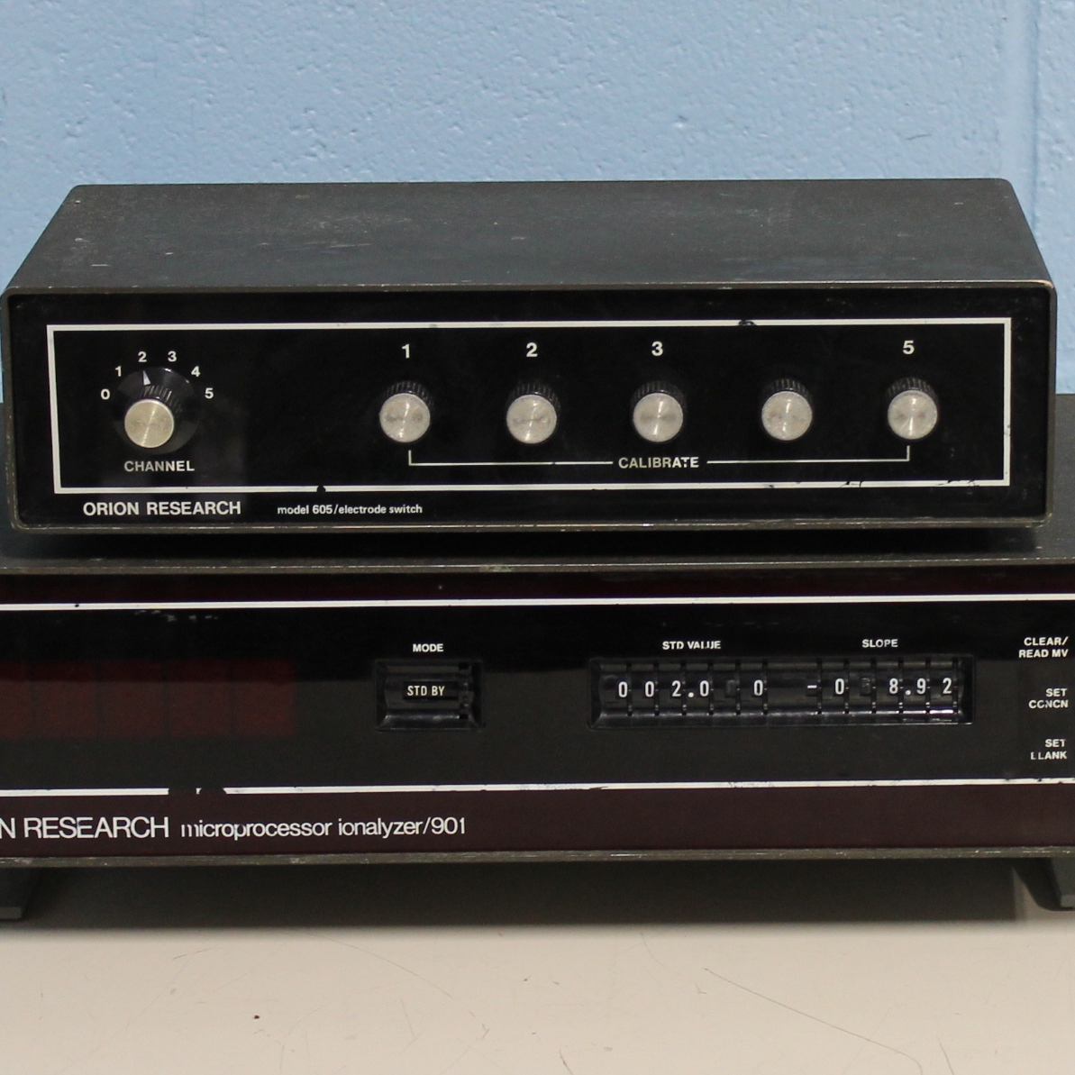 Orion Research Microprocessor Ionalyzer Model 901 with Electrode Switch Model 605 Image
