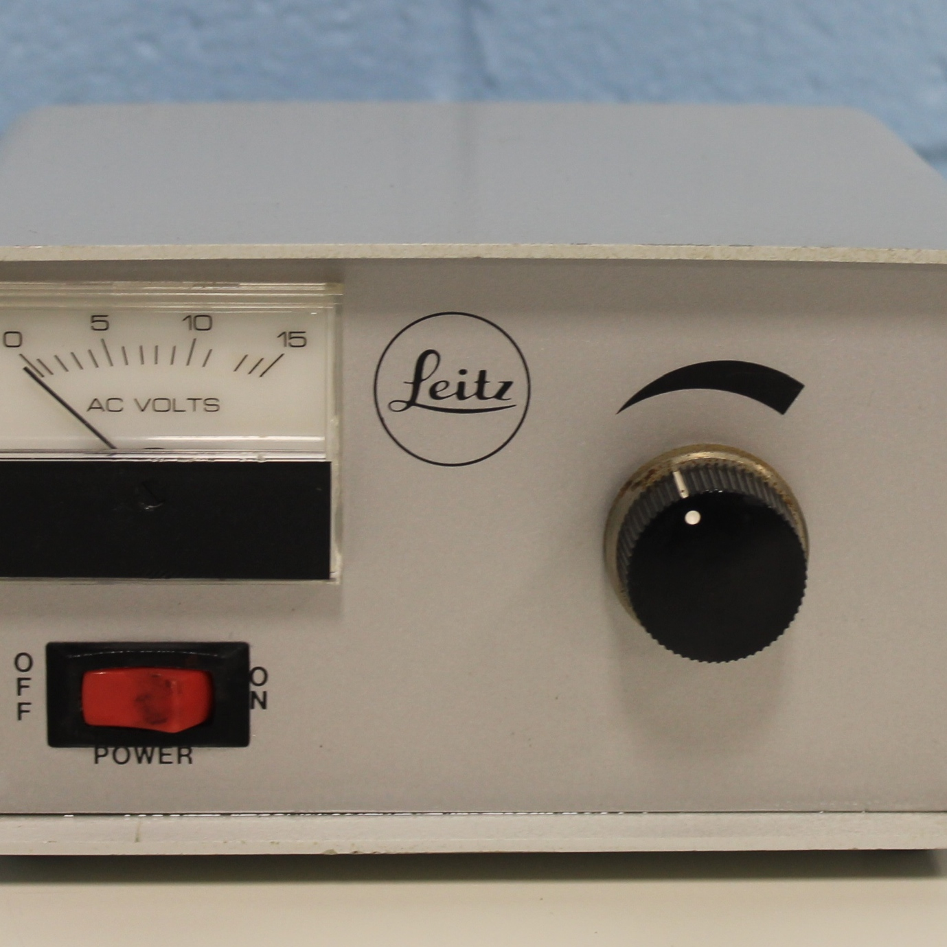 Leitz Microscope Power Supply CAT No. 050-262 Image