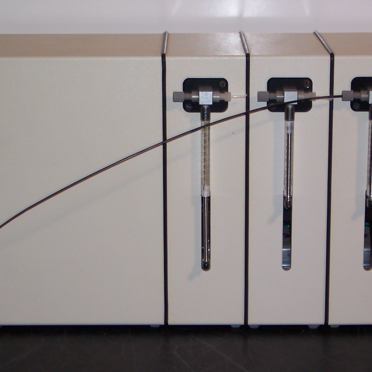 Dynatech Model 722153D 3 Syringe Injector Image