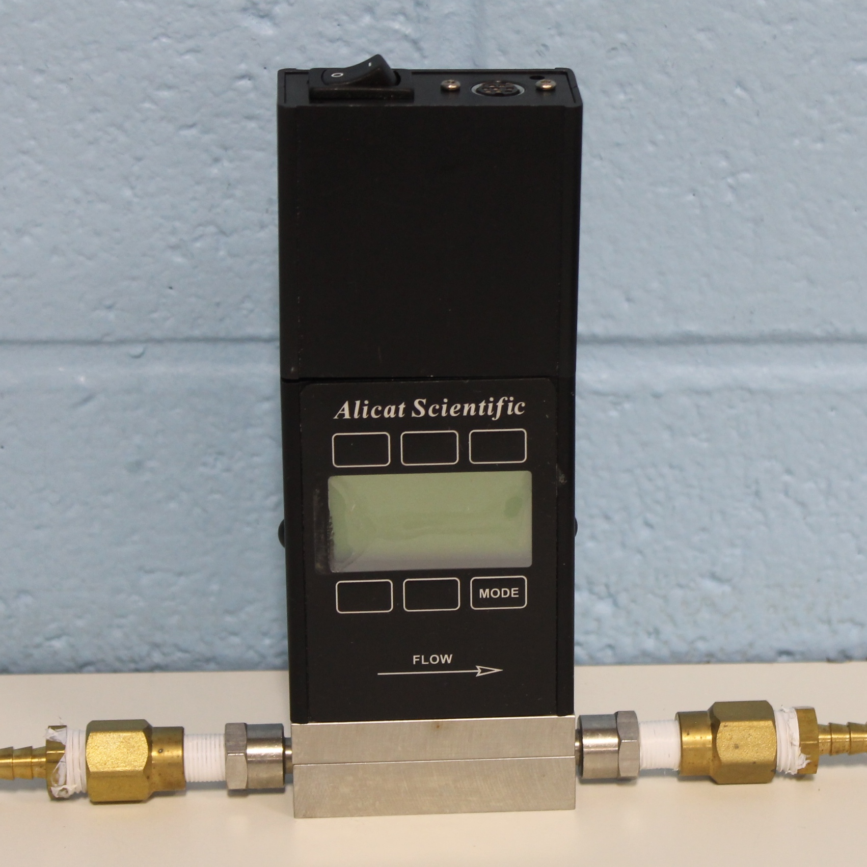 Alicat Scientific M-10SCCM-D (CO2) Precision Gas Mass Flow Meter Image