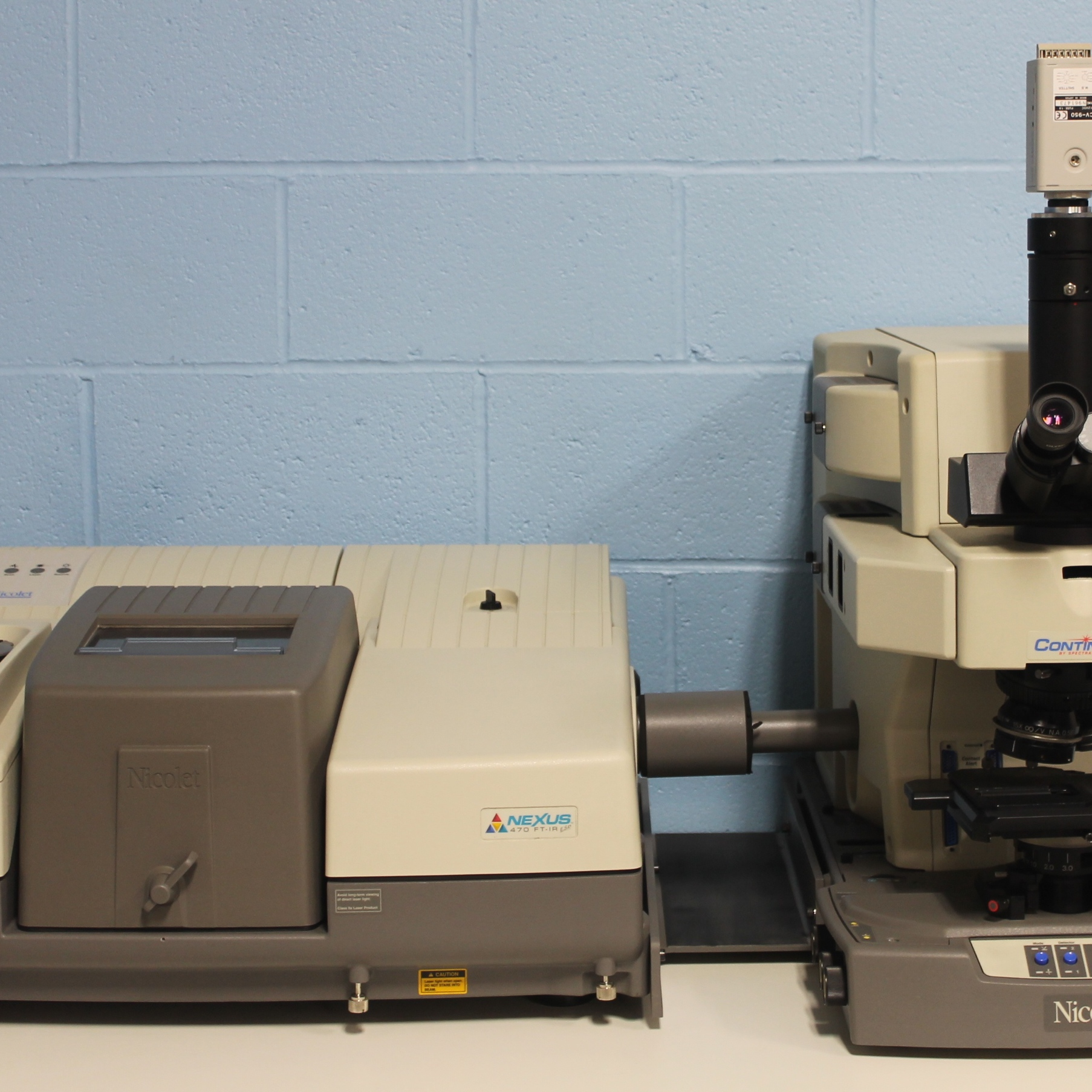 Nicolet Nexus 470 ESP FT-IR Spectrometer with Spectra-Tech Continuum FT-IR Microscope System Image