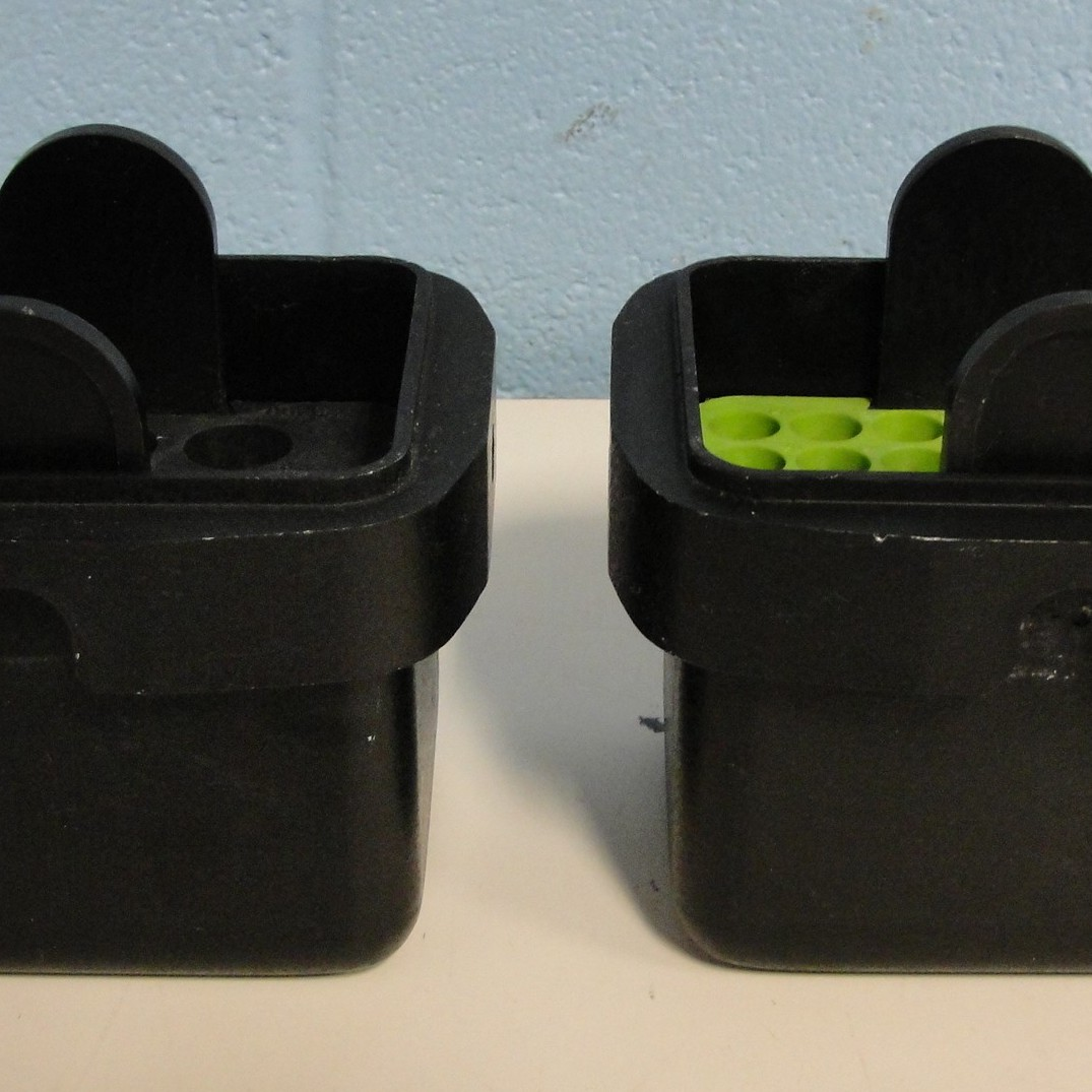 Sorvall PN 11106 Swing Rotor Buckets (Set of 2) with (1) 00884 Sorvall Adapter and (1) 00836 Sorvall Adapter. Image