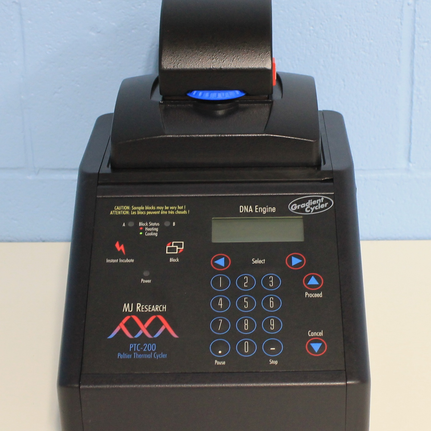 PTC-200 Gradient Peltier Thermal Cycler with Power Bonnet Lid Name