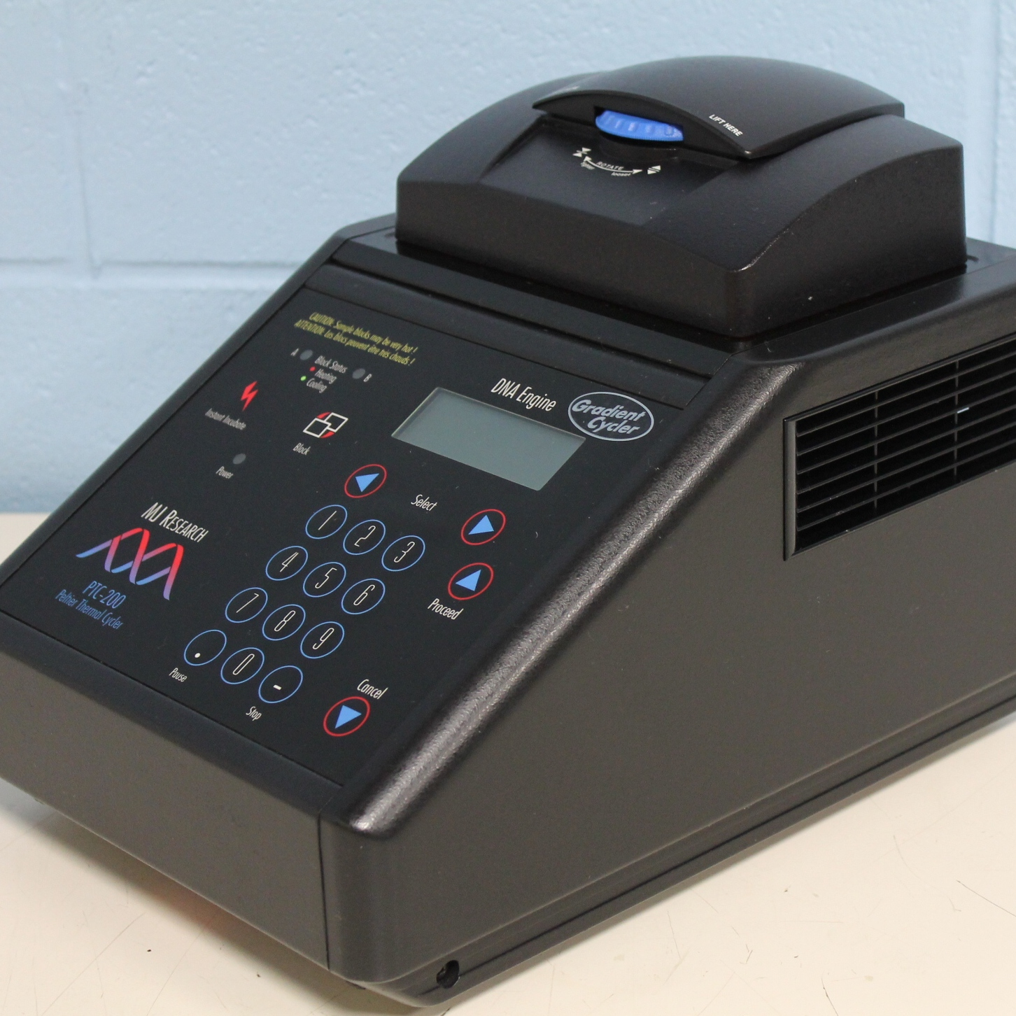 MJ Research PTC-200 Gradient Peltier Thermal Cycler Image
