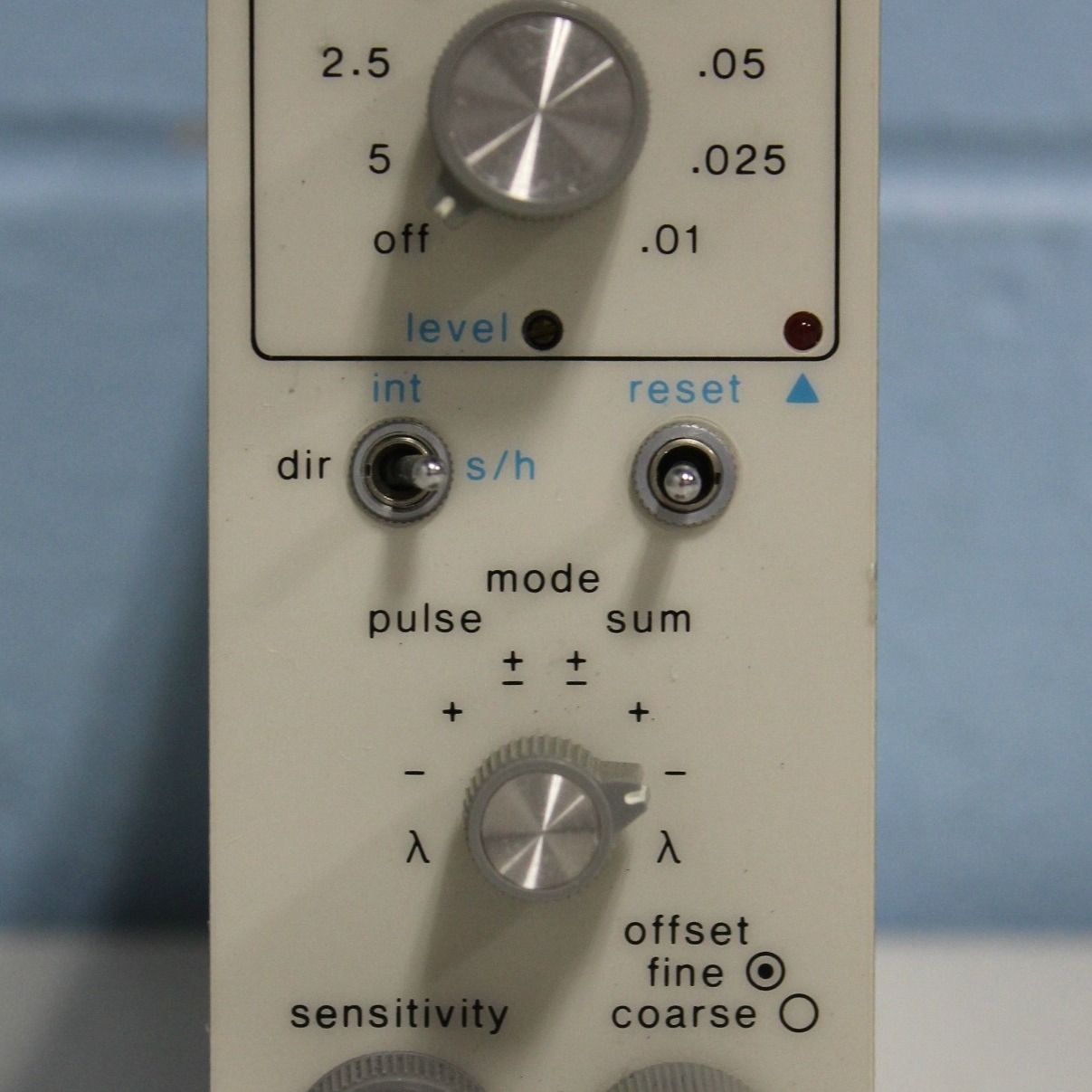 Gould Plug-in Model 13-G4615-70 Image