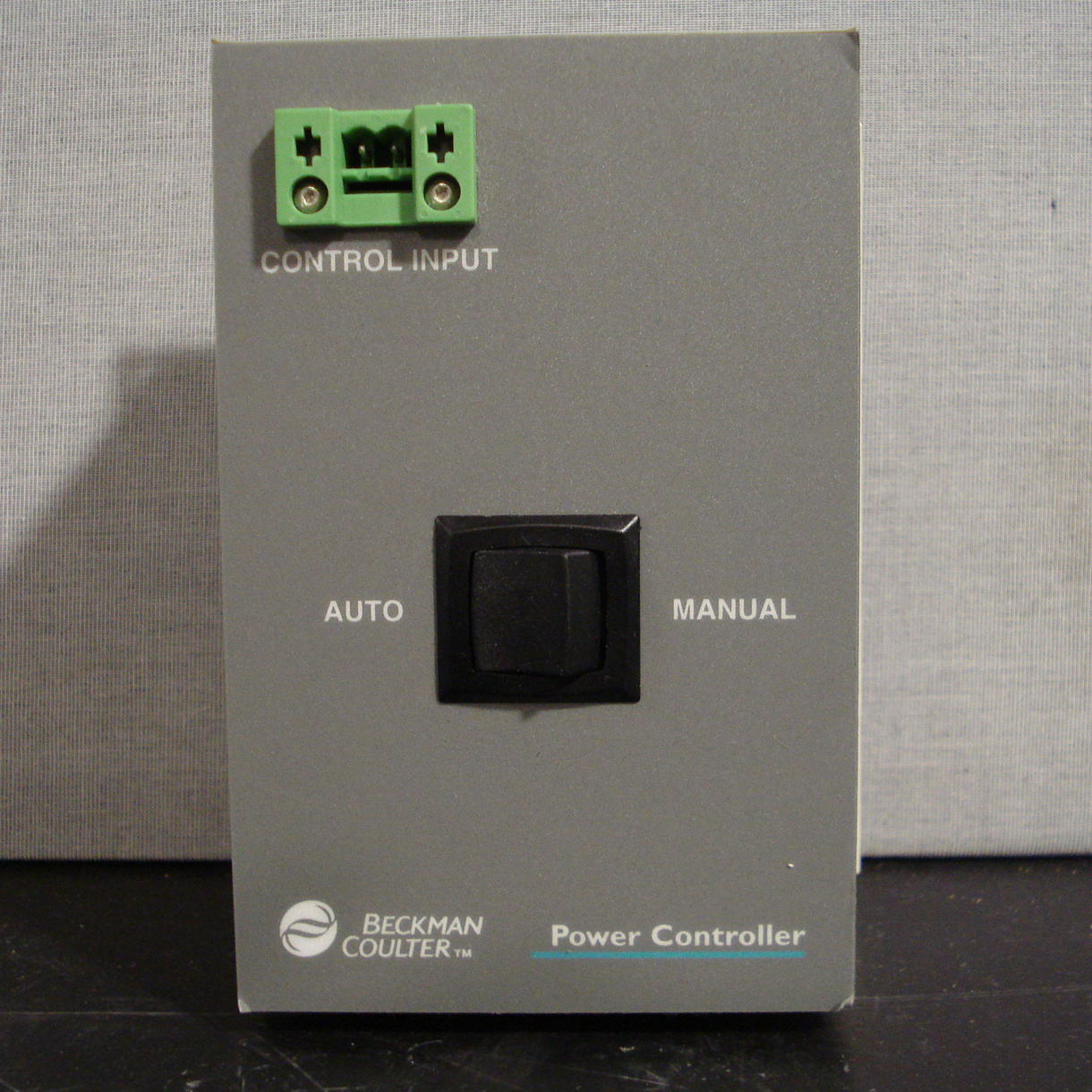 Beckman Coulter Power Controller Model 041-03-00097 Image