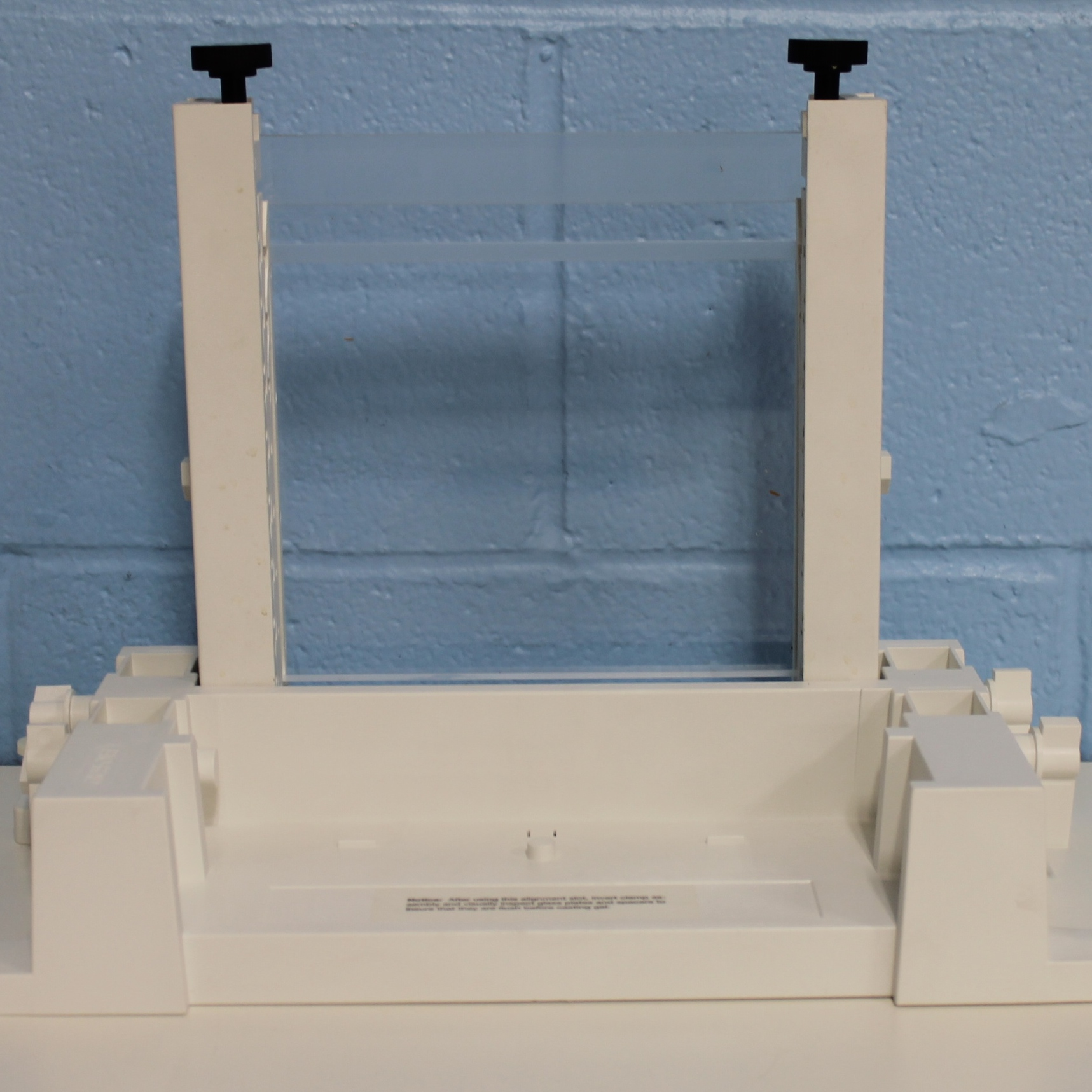 Protean II Electrophoresis Vertical Casting Stand