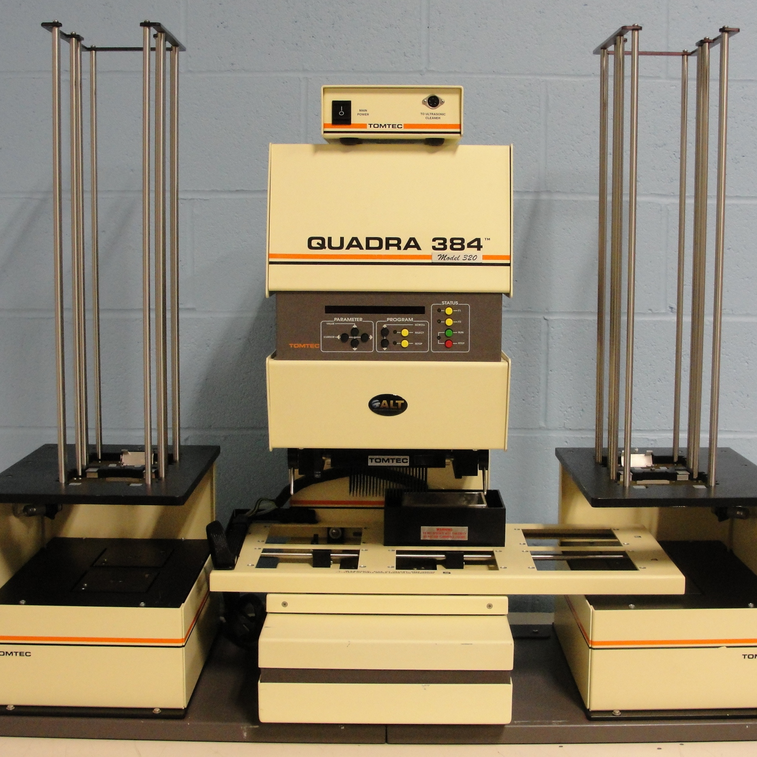 Tomtec Quadra 384 Model 320, with a Quadra 96 Stackers Model 420 Series Double Unit Image