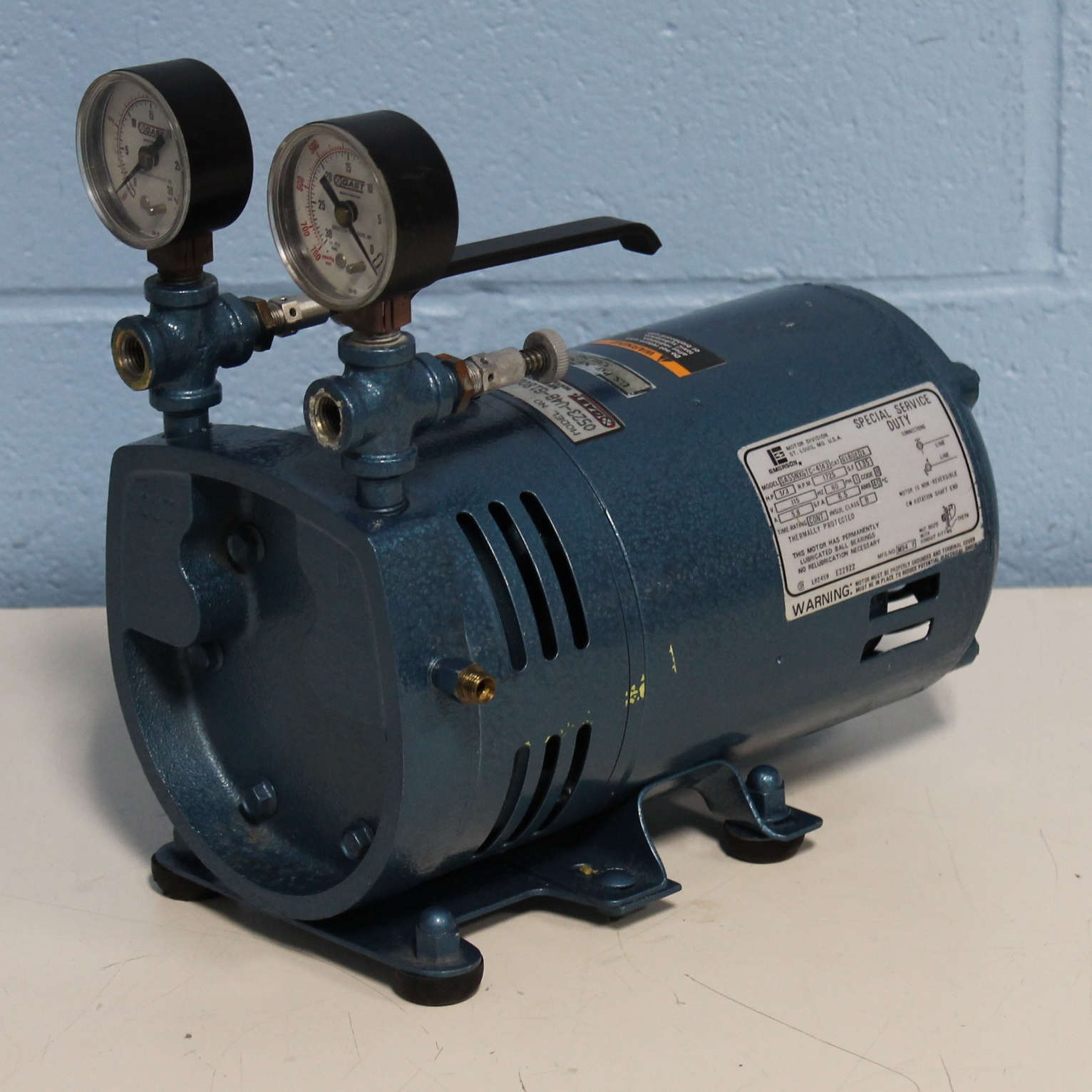Refurbished Gast Rotary Vane Vacuum Pump