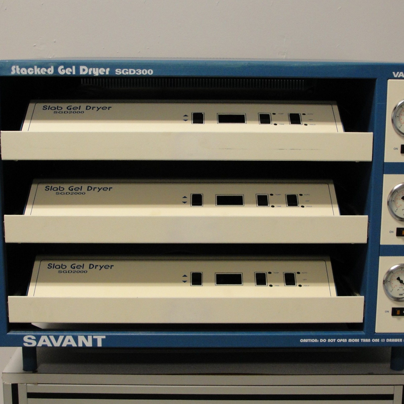 Savant SGD 300 Stacker Gel Dryer Image