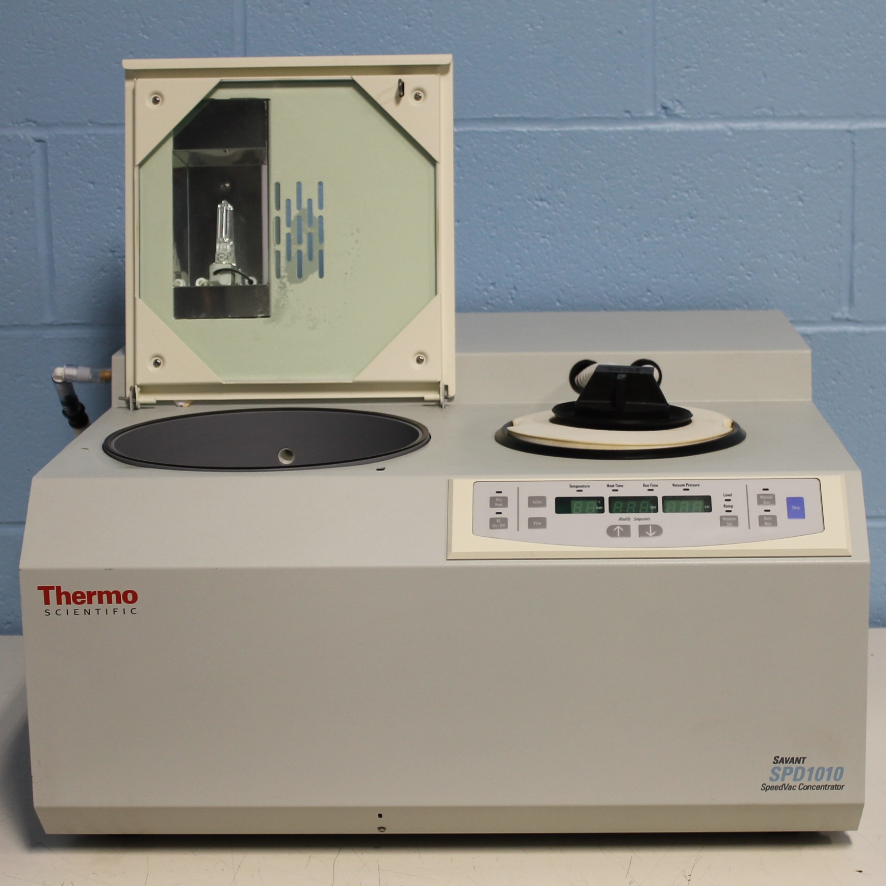 Thermo Scientific Savant SPD1010-115 SpeedVac Concentrator Image