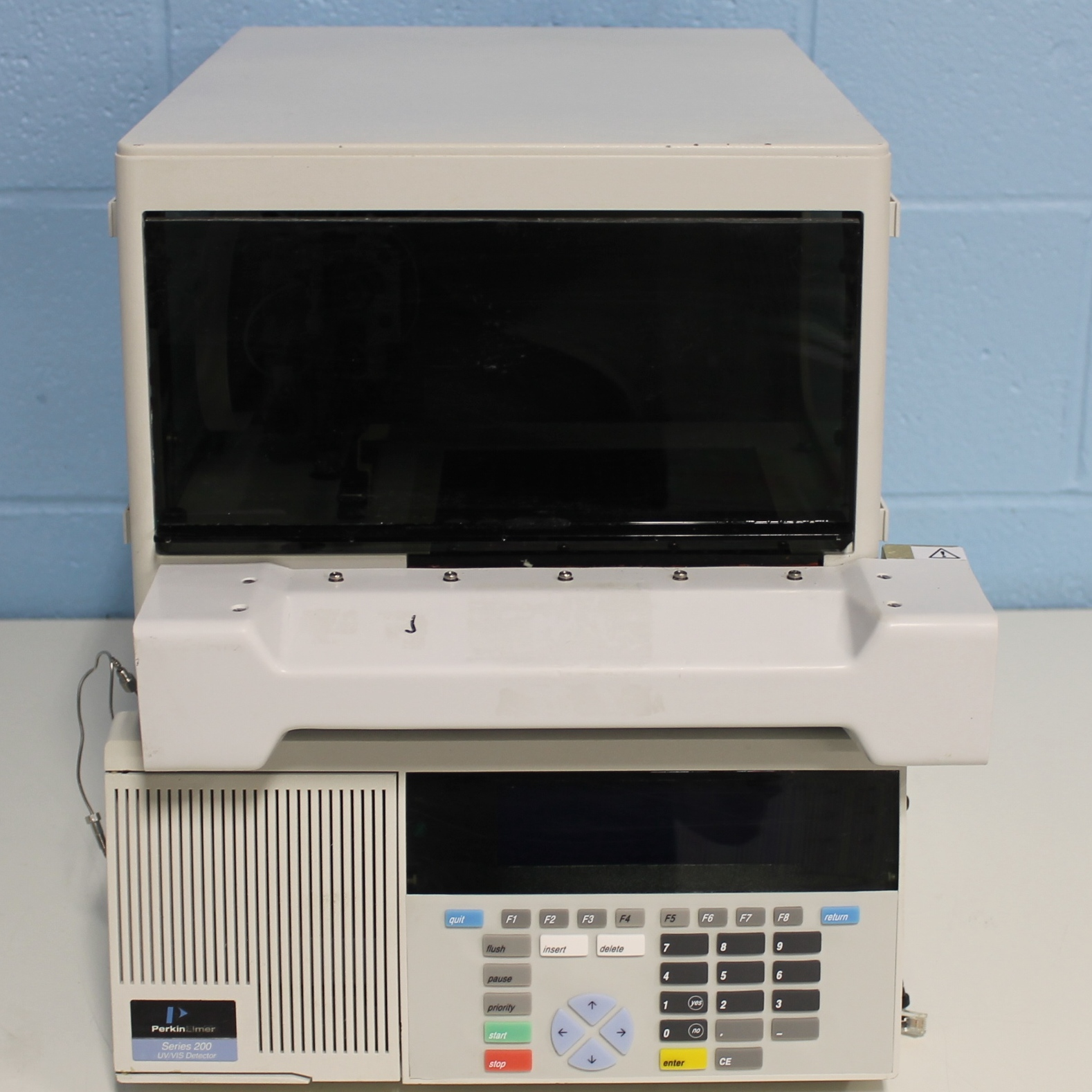 Perkin Elmer Series 200 Autosampler With Peltier Tray Control Assembly Image