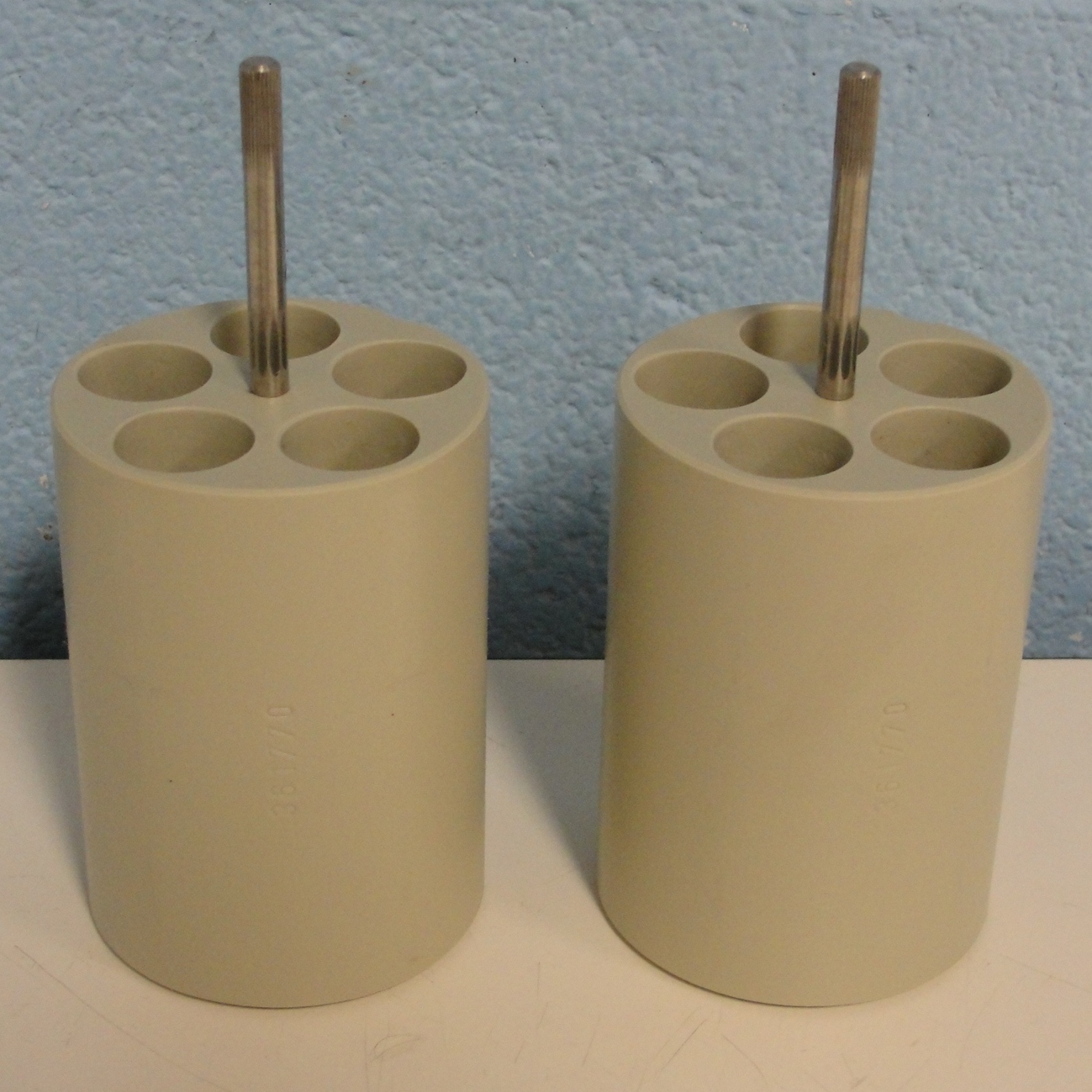 Beckman Coulter Set of (2) 5 tube 17.5MM X 76MM Adapters for S4180 Bucket Rotor Image