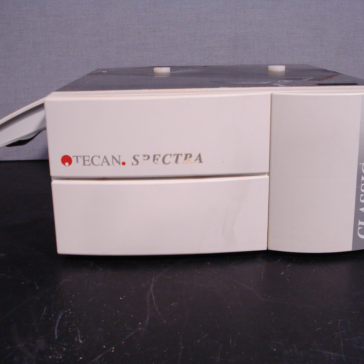 Tecan Spectra Classic Plate Reader Image