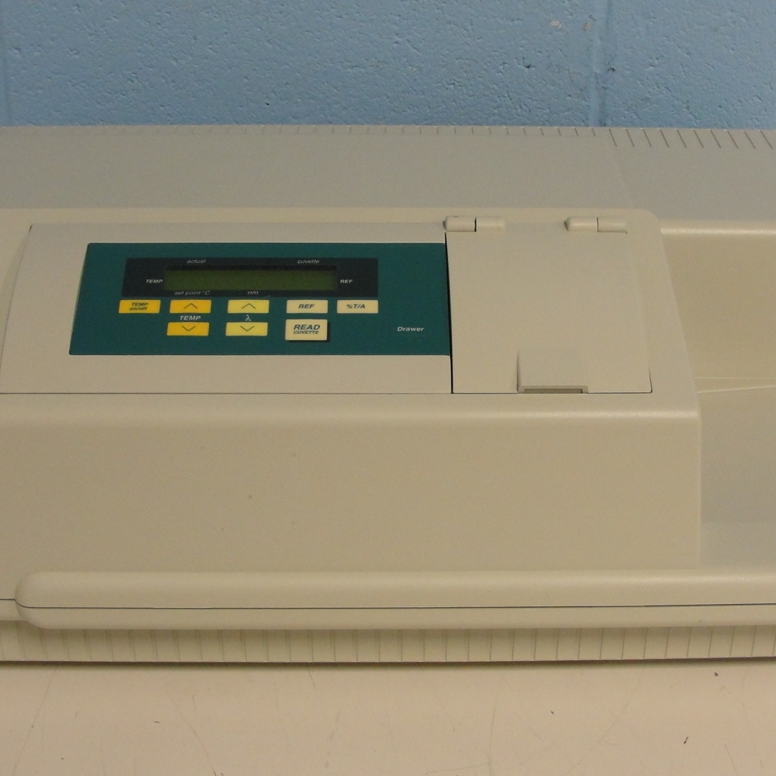 SpectraMax Plus Absorbance Microplate Reader