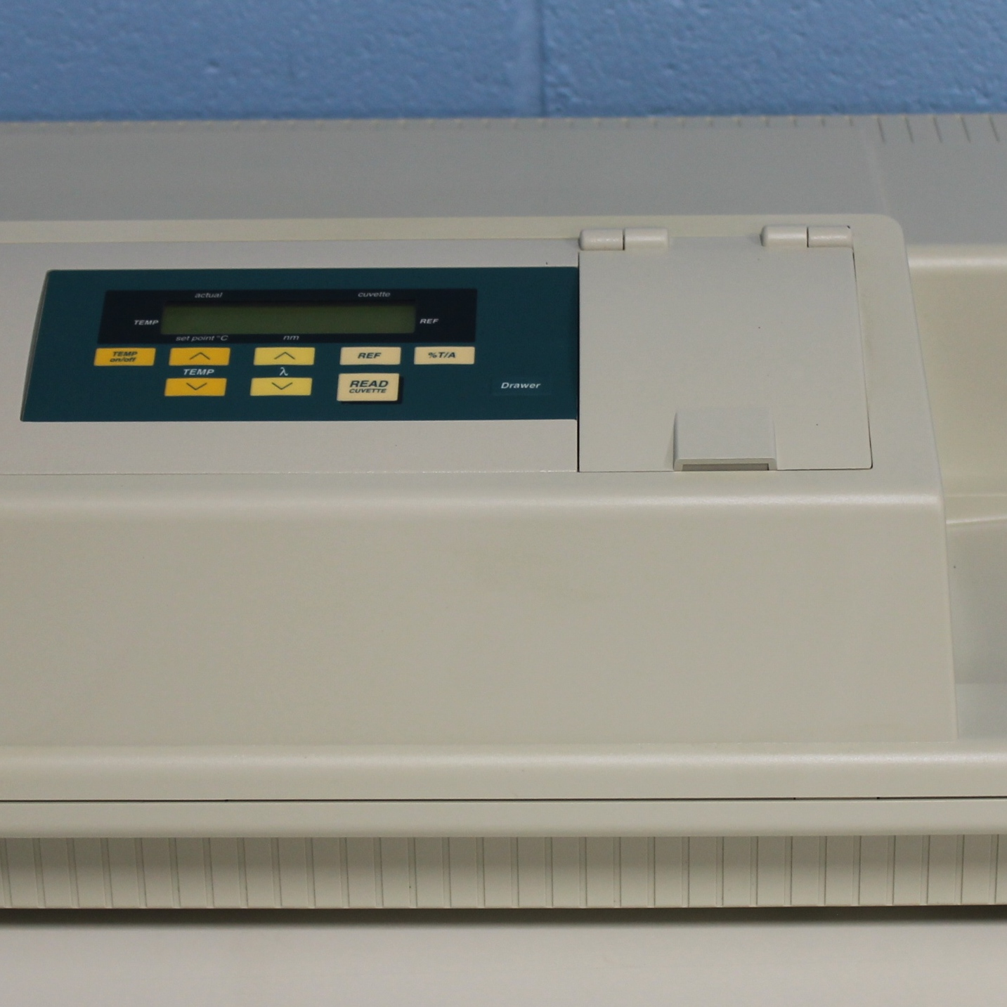 SpectraMax Plus 384 Absorbance Microplate Reader