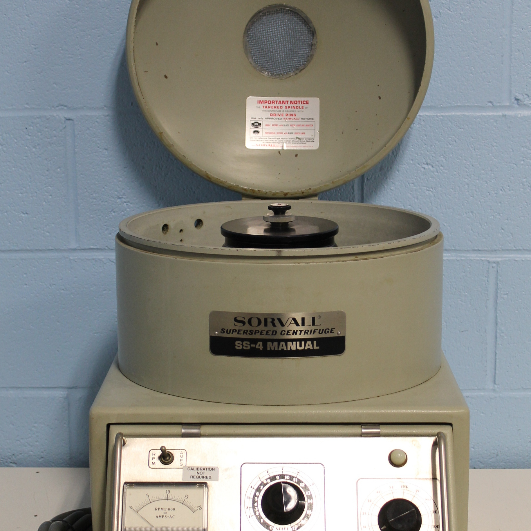 Sorvall Superspeed Centrifuge Model SS-4 Manual Image