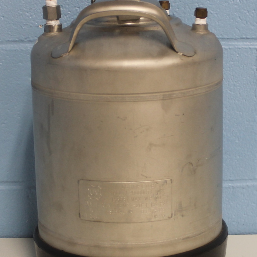 Alloy Products Corp. T304 2-Gallon Wide Mouth Opening Stainless Steel Rubber Skirt Pressure Vessel Image