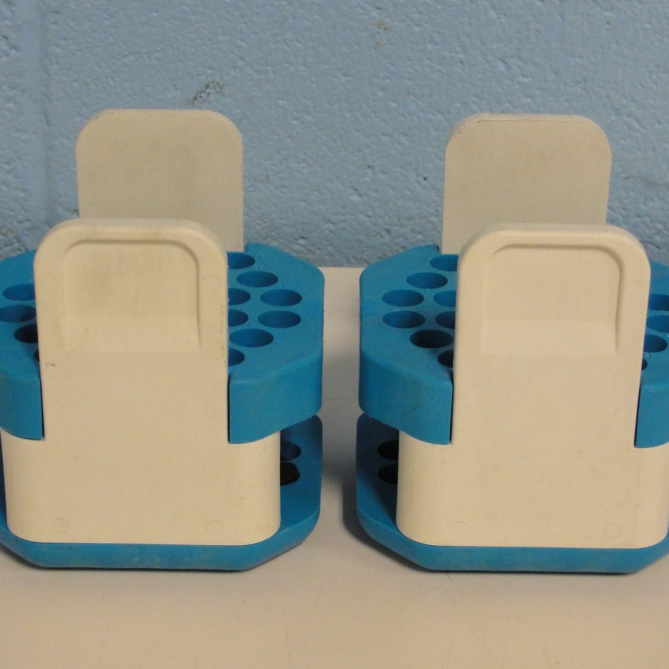 Beckman Coulter TH-4 Rotor (30) Tube Slot Bucket Adapter (Set of 2) Image