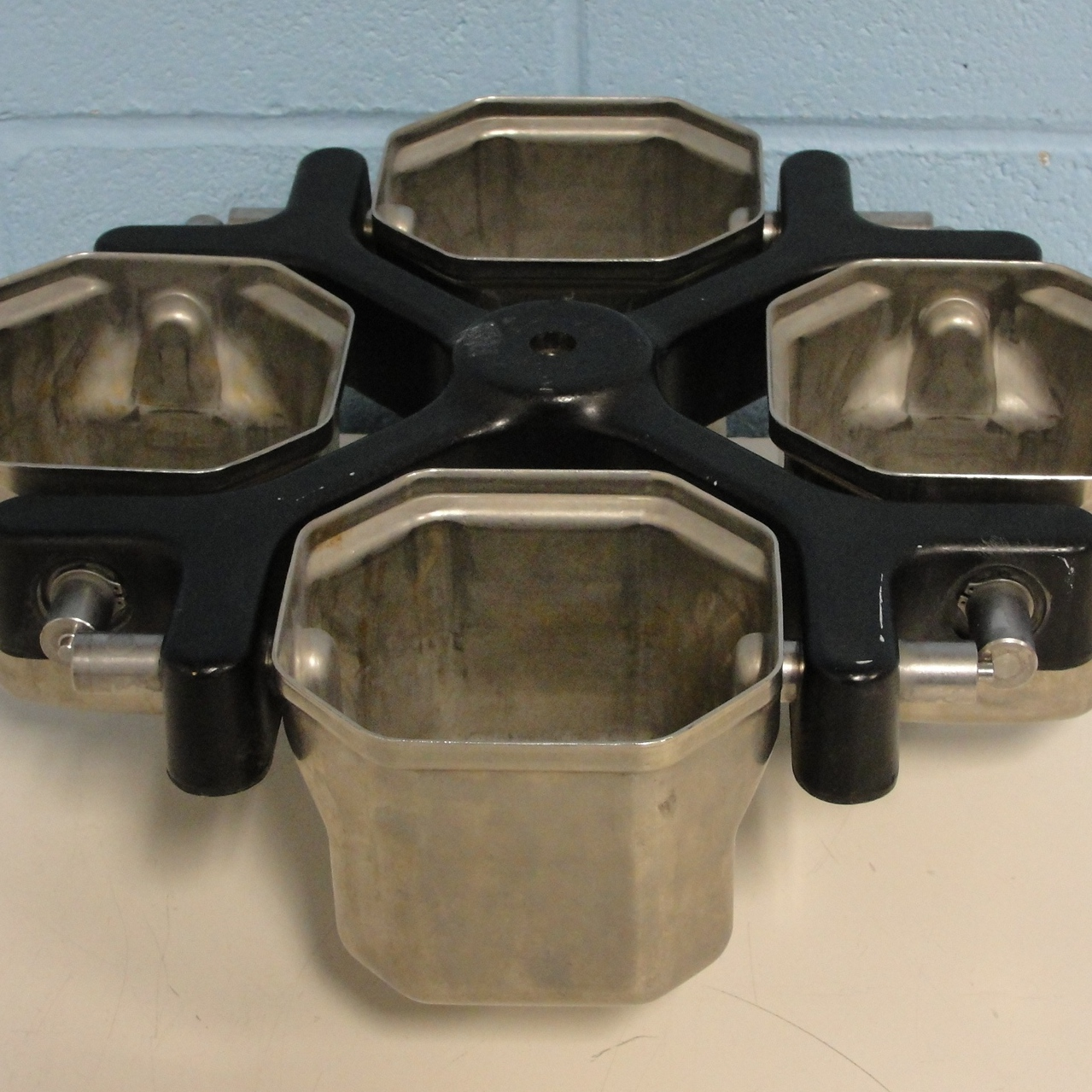 Beckman Coulter TH-4 rotor with buckets Image