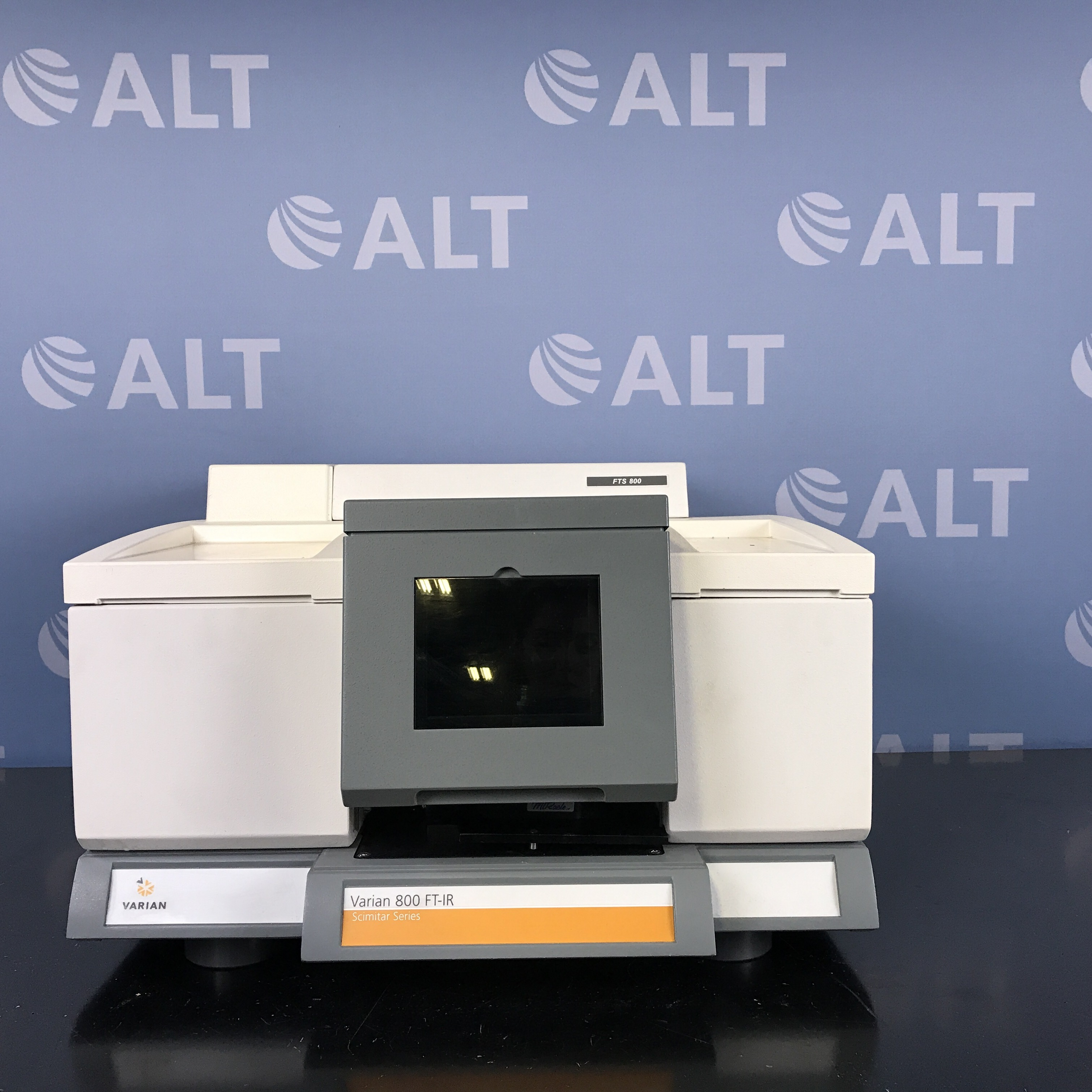 Varian FTS 800 FT-IR Scimitar Series Spectrometer  Image